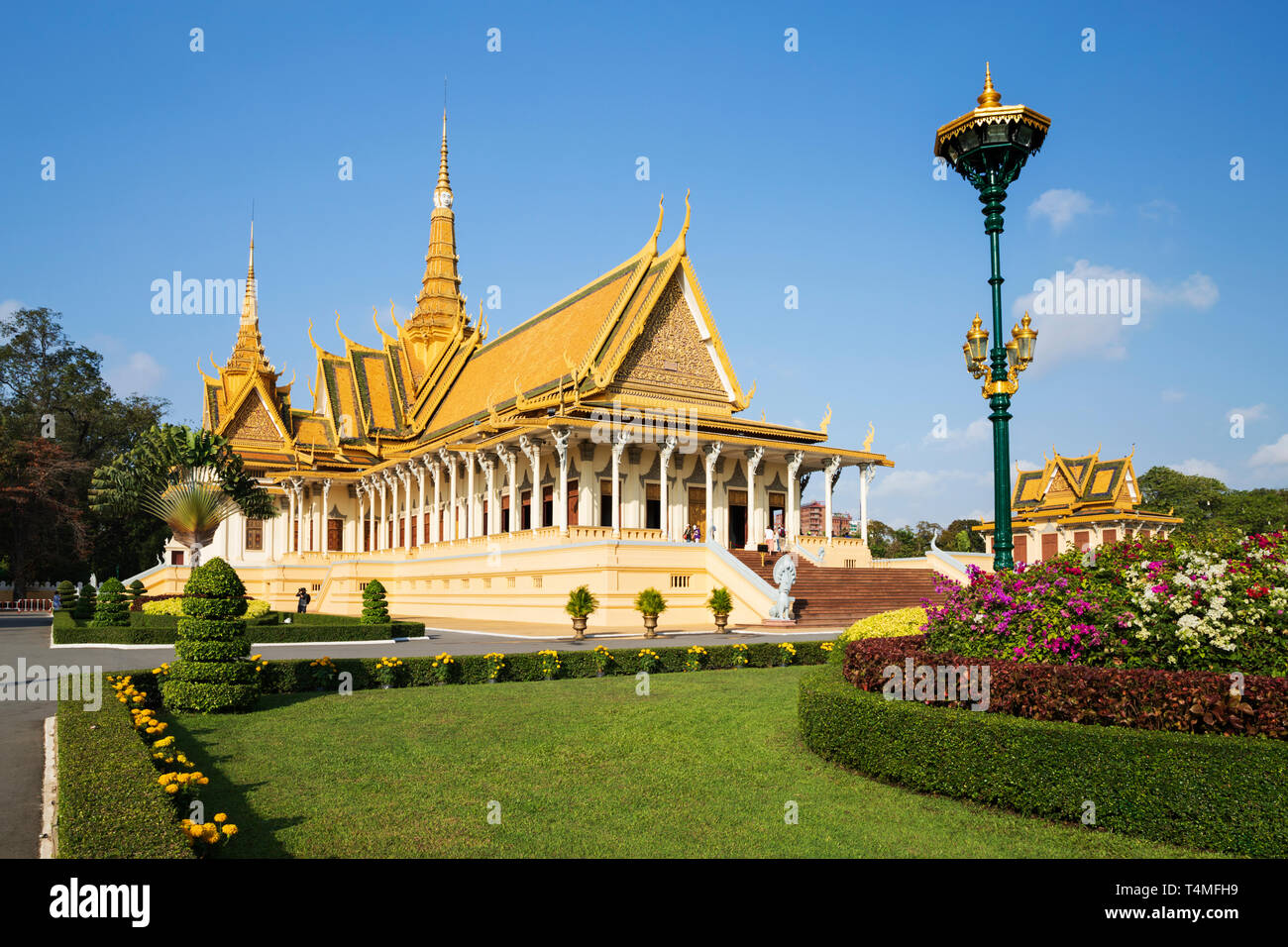 El Palacio Real y el Salón del Trono, en Phnom Penh, Camboya, Sudeste Asiático, Asia Foto de stock