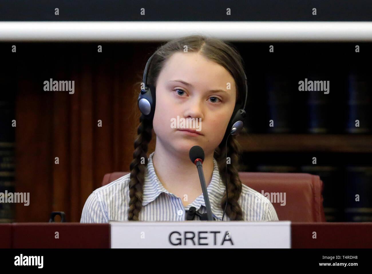Roma, Italia. 18 abr, 2019. Greta Thunberg Roma 18 de abril de 2019. Teen activista climático Greta Thunberg participa en un seminario sobre el clima en el Senado italiano. Foto di Samantha Zucchi/Insidefoto Crédito: insidefoto srl/Alamy Live News Imagen De Stock