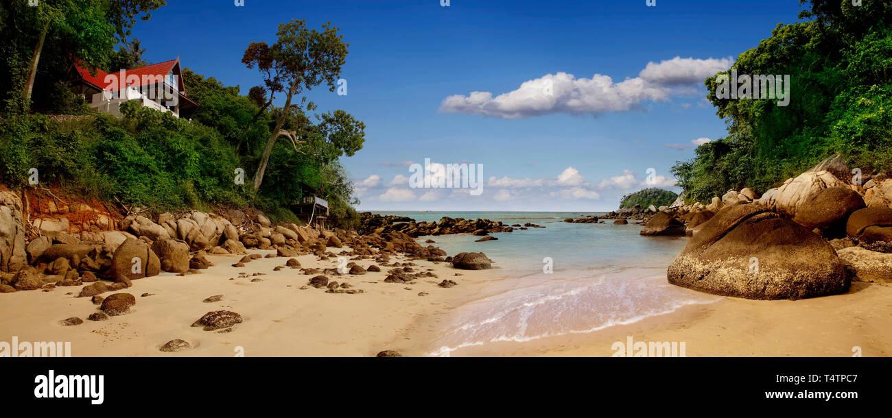 Panorama de vista impresionante villa en la playa. Imagen De Stock