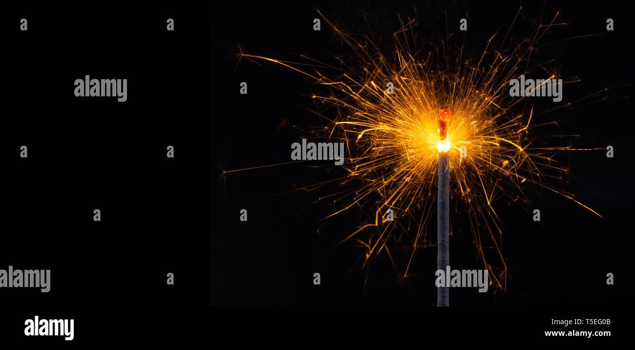 La quema de fuegos artificiales en Bengala en Nochevieja detalle Foto de stock