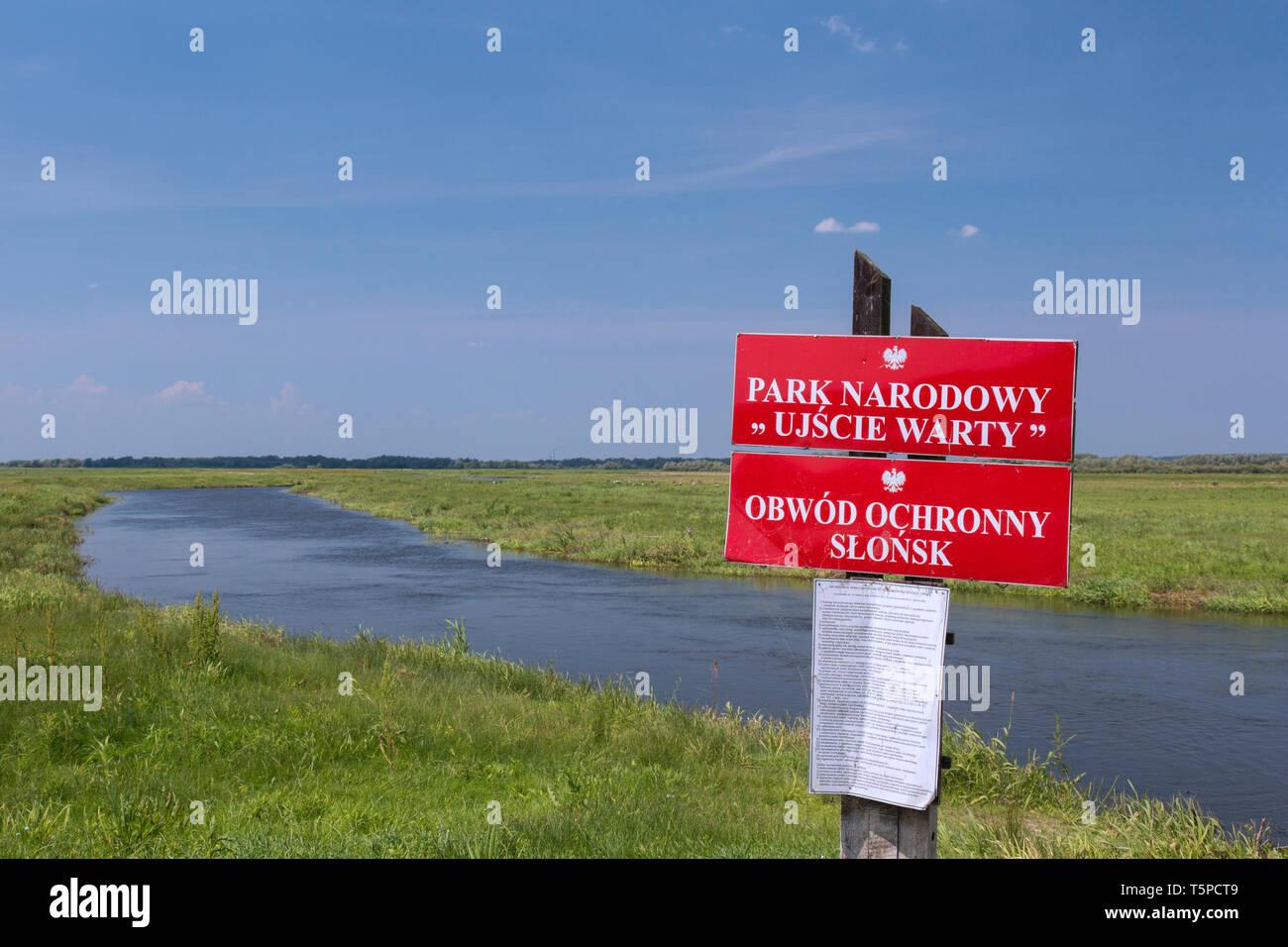 Signo de la Ujście verrugosa / Parque Nacional Parque Nacional River-Mouth Warta, Voivodato Lubusz, Polonia Imagen De Stock