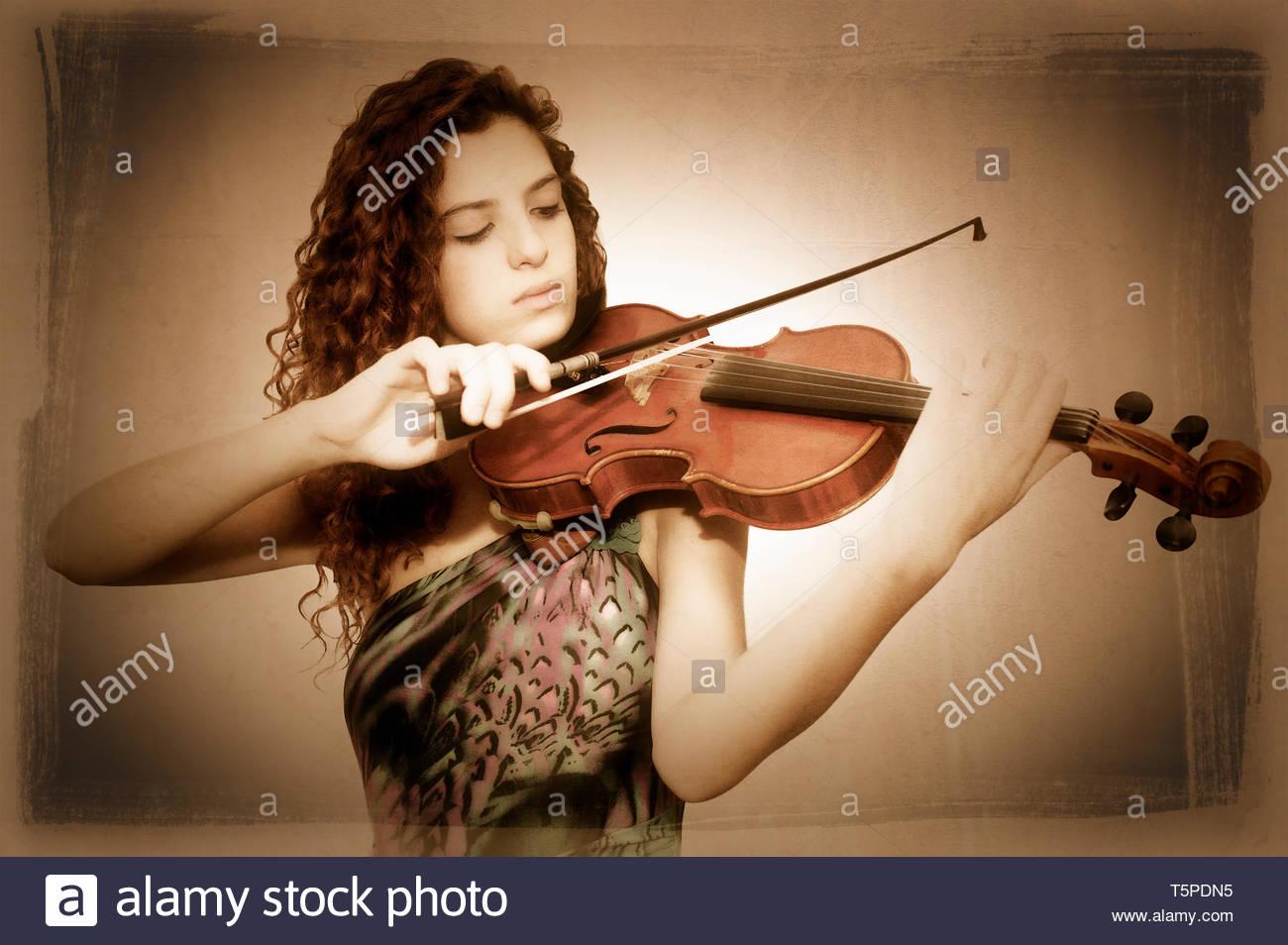 Italia Turín Conservatorio Statale di Musica Giuseppe Verdi di Torino Violino Giulia Subba Imagen De Stock