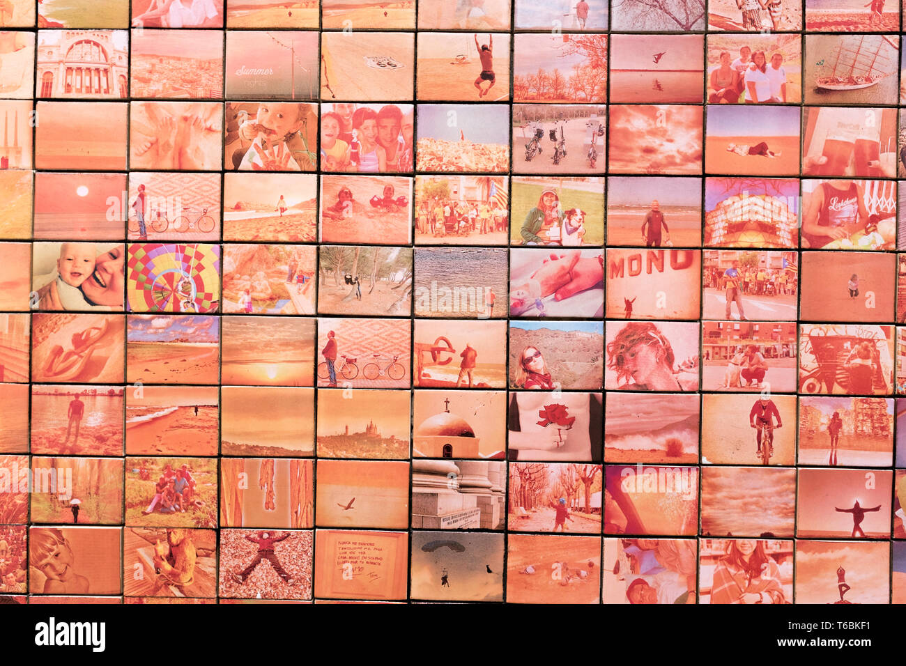 """""""El Món Neix en Cañada Besada' (El Mundo empieza con cada beso) mural de Joan Fontcuberta, Barcelona. El icónico mural está hecha de azulejos con foto Imagen De Stock"""