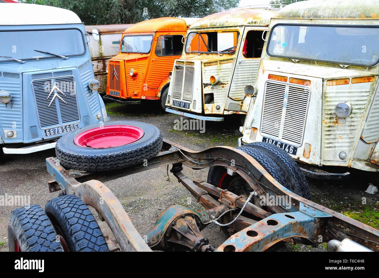 Algunos de Citroën tipo H almacenadas Foto de stock