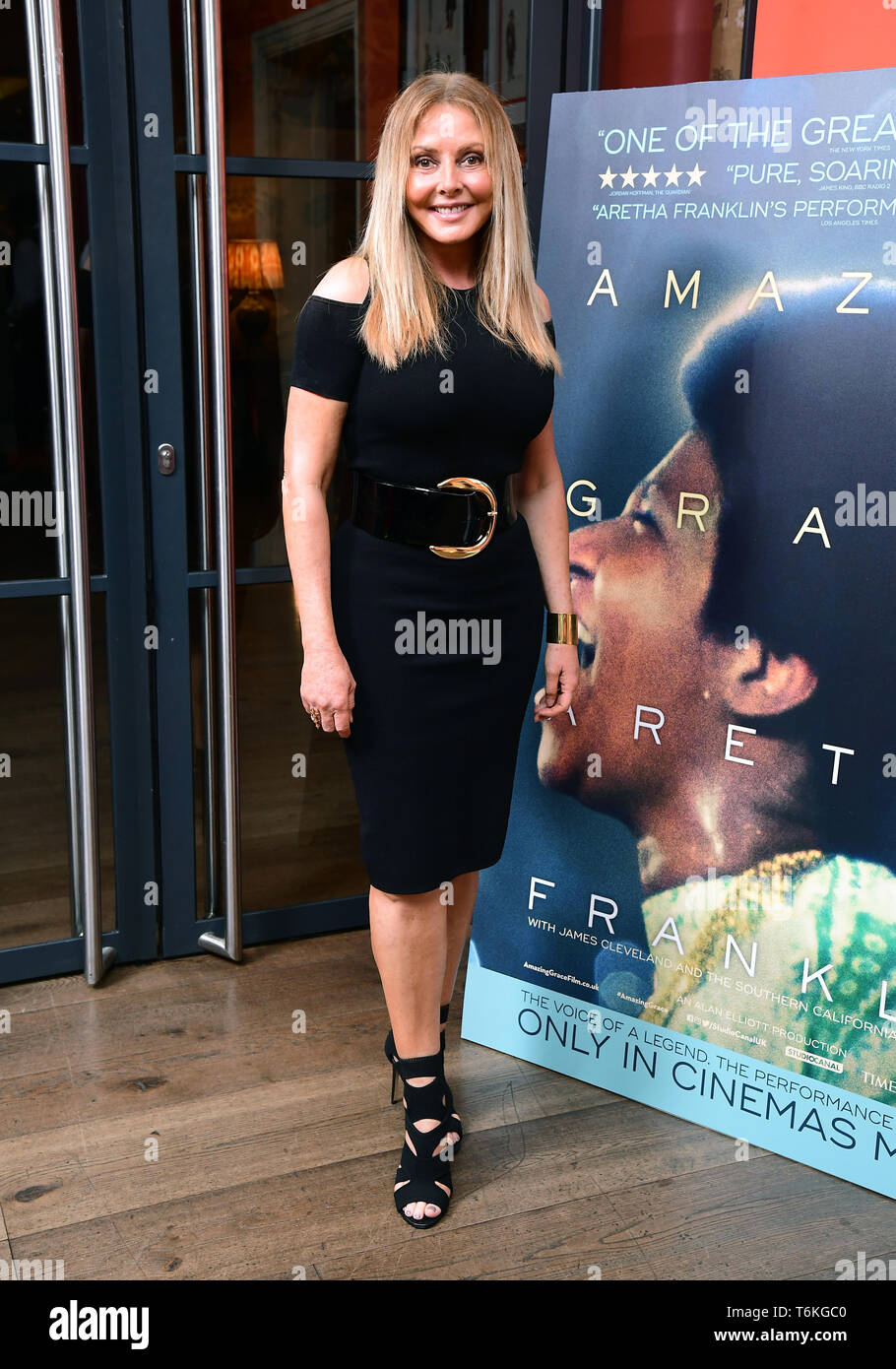 Carol Vorderman asistieron a la proyección del documental, Aretha Franklin Amazing Grace, a jamón Yard Hotel, Londres. Foto de stock