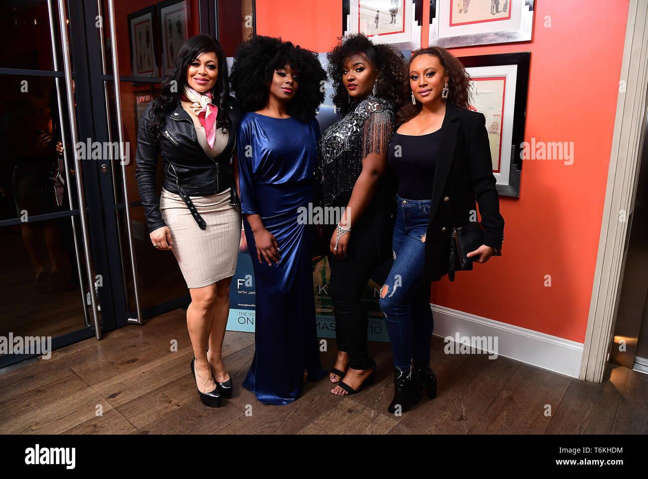 Stacy Francis, Cleopatra Higgins, Cleo Stewart y Tanya Edwards asistieron a la proyección del documental, Aretha Franklin Amazing Grace, a jamón Yard Hotel, Londres. Foto de stock