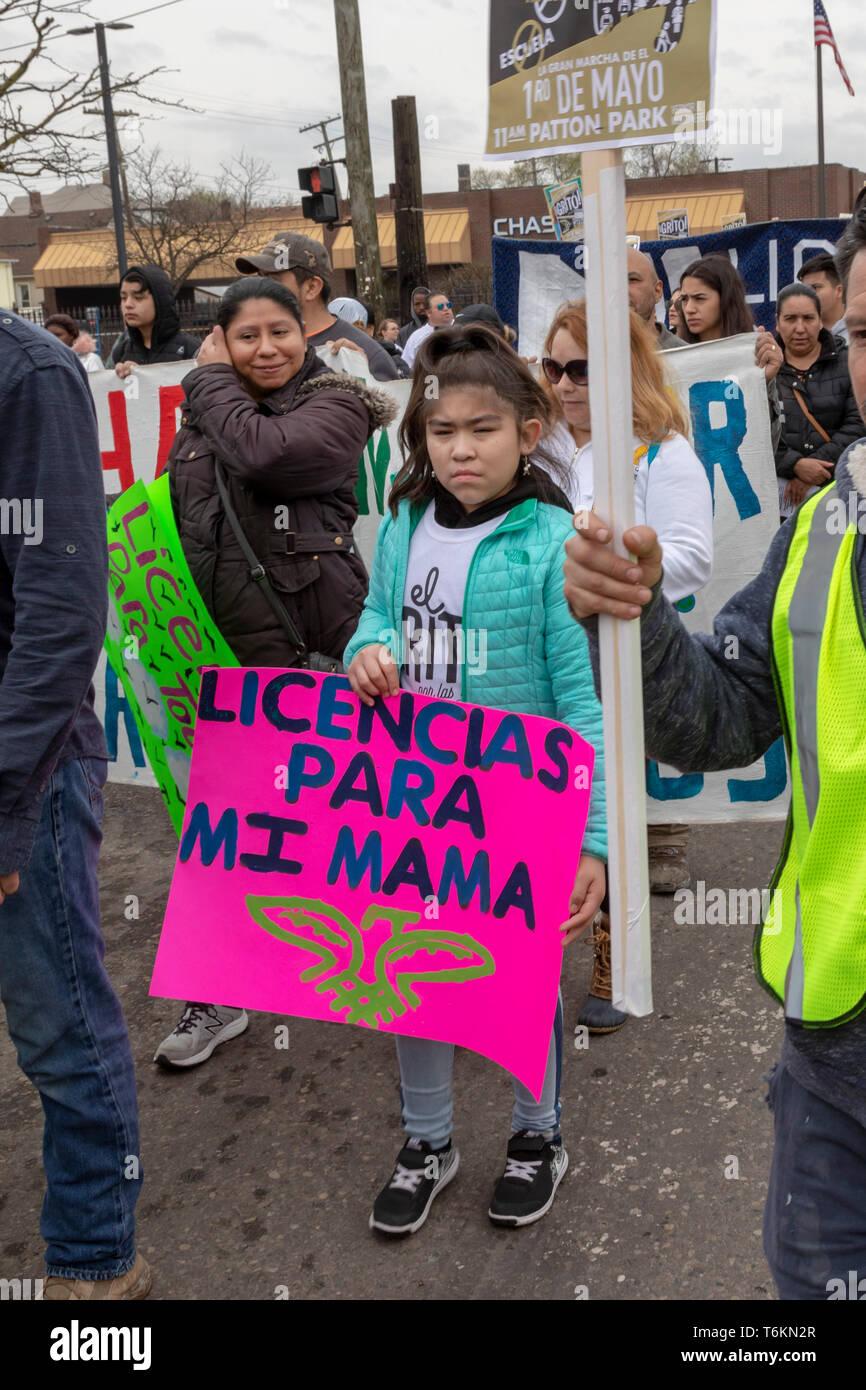 Detroit, Michigan - Un May Day marzo exige la restauración de licencias de conducir a todos sin importar su estatus migratorio. Michigan und prohibidos Imagen De Stock
