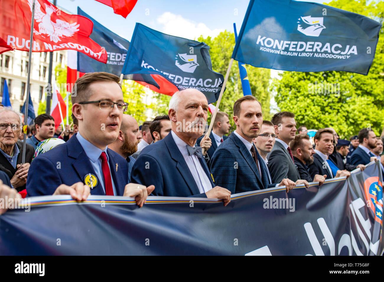 Varsovia / Polonia: Los nacionalistas (Konfederacja KORWiN Braun Liroy Narodowcy) manifestándose contra la Unión Europea. Imagen De Stock