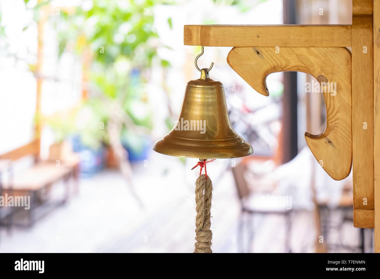mano campana latón campana Mesa campana capitán campana con mango de madera