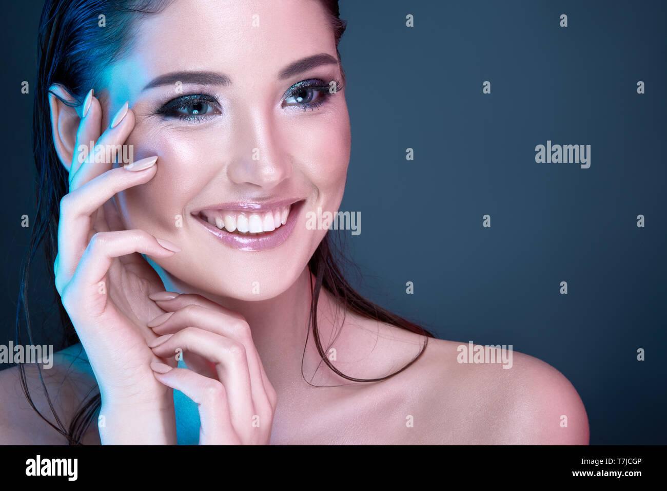 Maquillaje tutorial Foto de stock