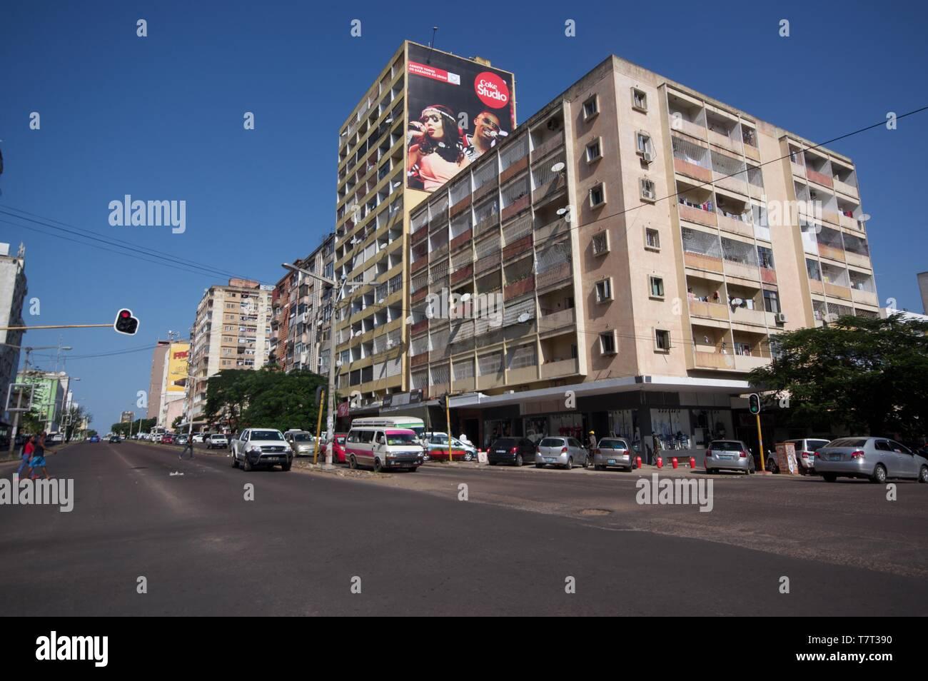 Los edificios en la avenida de Eduardo Mondlane, Maputo, Mozambique Imagen De Stock