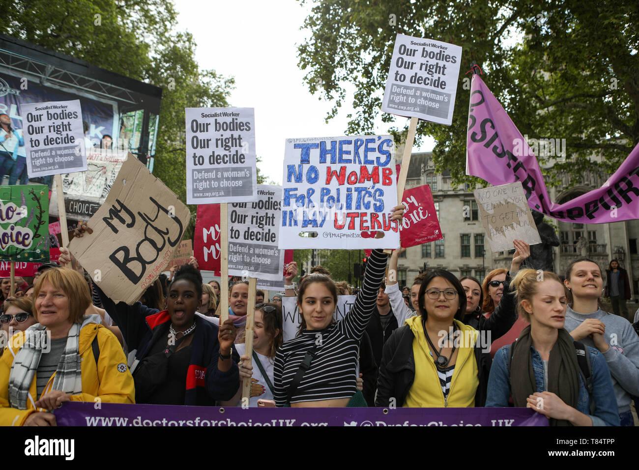 """La plaza del parlamento, Westminster, Reino Unido. El 11 de mayo de 2019. 'March por elección"""" y """"pro vida manifestación al mismo tiempo. Penelope Barritt/Alamy Live News Foto de stock"""