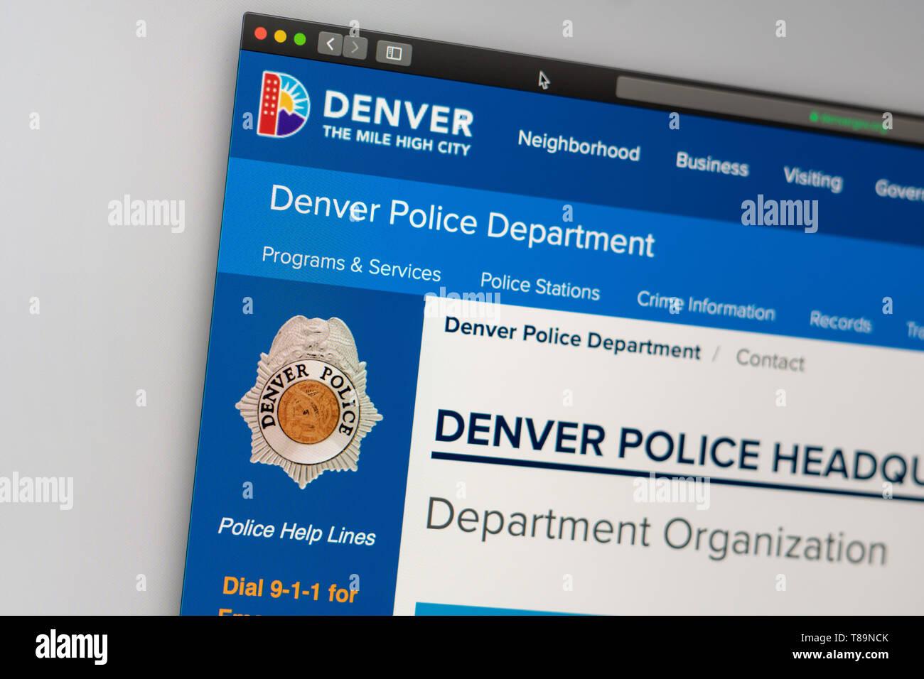 Miami / USA - 5.11.2019: Página web del Departamento de Policía de Denver. Cerca del Departamento de Policía logo. Puede ser utilizado como ejemplo para que los medios de comunicación Foto de stock
