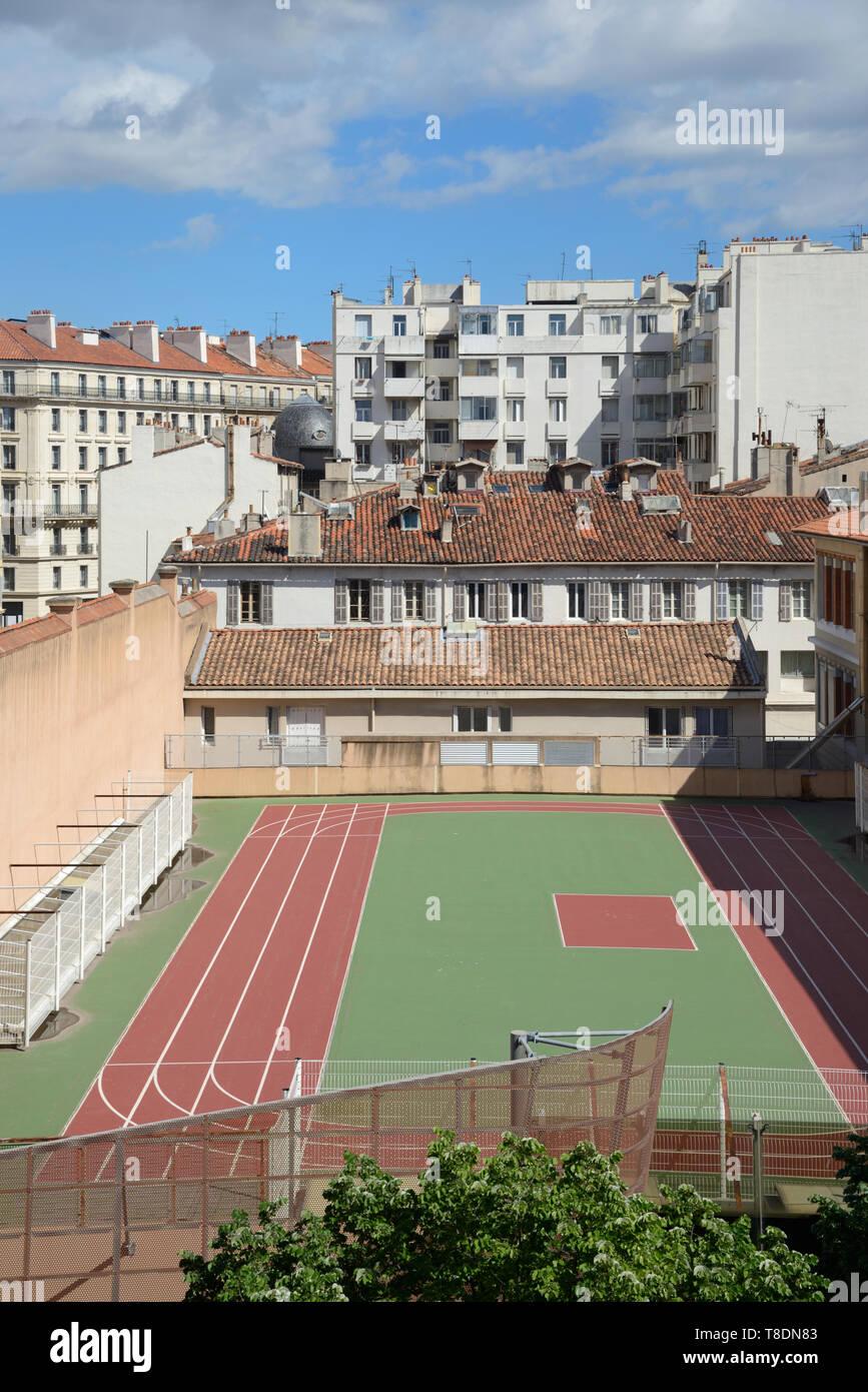 O la Azotea urbana All-Weather ejecutando vía Marsella Francia Imagen De Stock