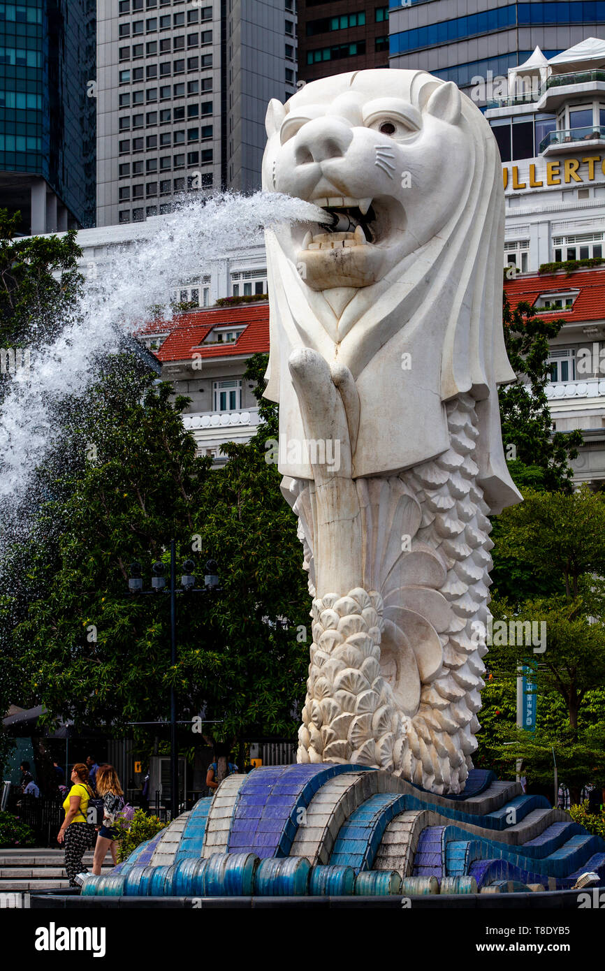La estatua Merlion, Singapur, Sudeste de Asia Foto de stock