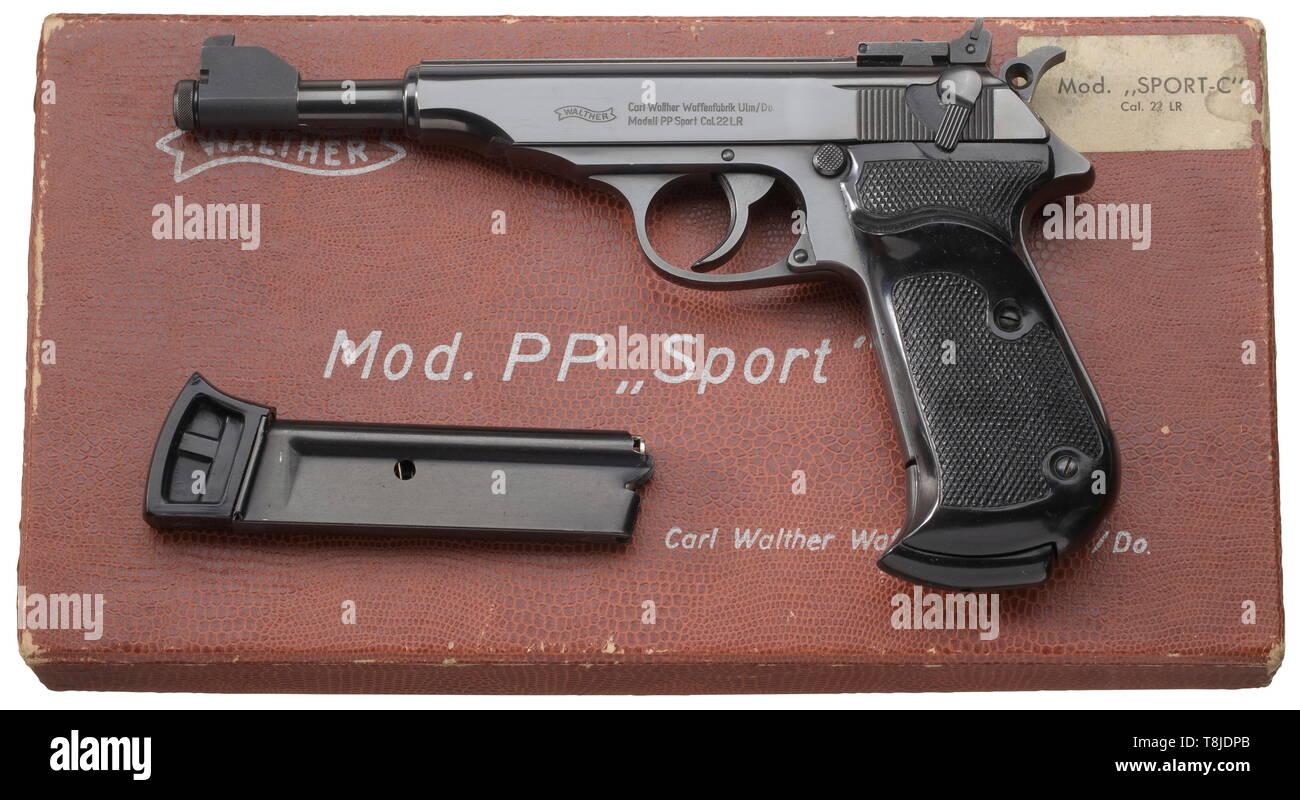 Las armas pequeñas, pistolas, Walther PP Deporte pistola, calibre .22 lfB, con la caja y la revista, Additional-Rights-Clearance-Info-Not-Available Imagen De Stock
