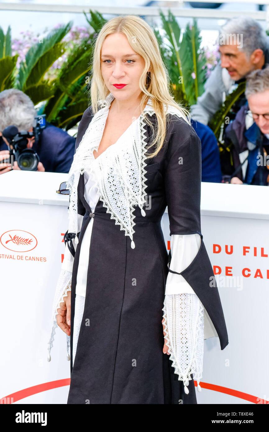 Cannes, Francia. El 15 de mayo, 2019. Chloe Sevigny en un photocall para los muertos no mueren, el miércoles 15 de mayo de 2019 en la 72ª edición del Festival de Cannes, el Palais des Festivals, Cannes. Chloe Sevigny. Foto de crédito: Julie Edwards/Alamy Live News Foto de stock