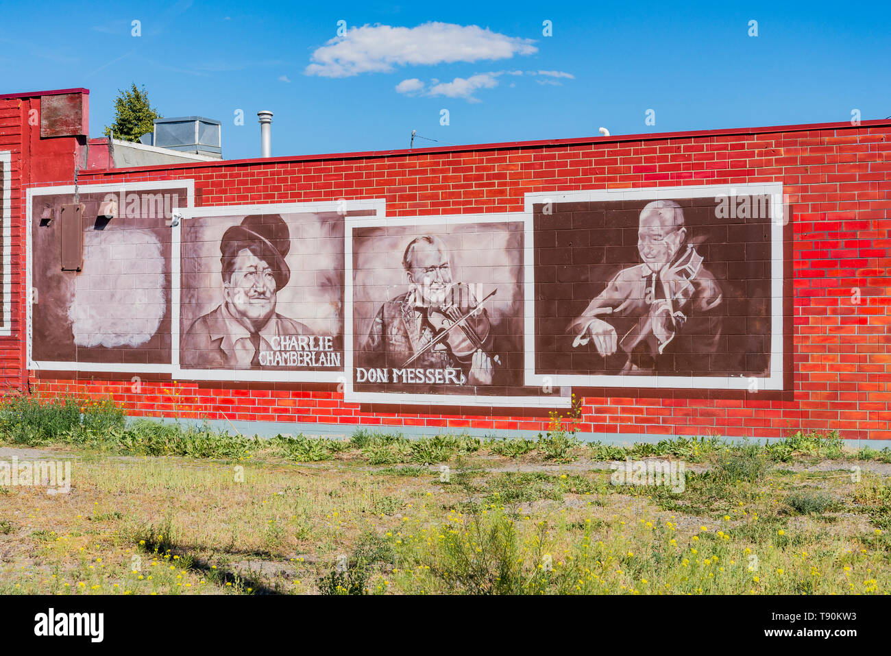 Charlie Chamberlain y Don Messer de Música Country Mural, Merritt, British Columbia, Canadá Foto de stock