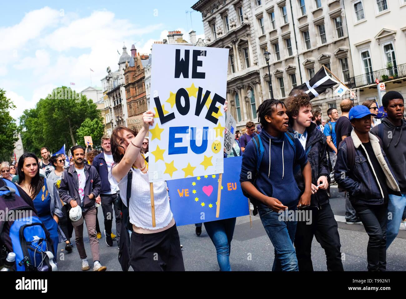 Los participantes en un mitin pro-UE en Londres, Inglaterra, el 2 de julio, 2016. Imagen De Stock