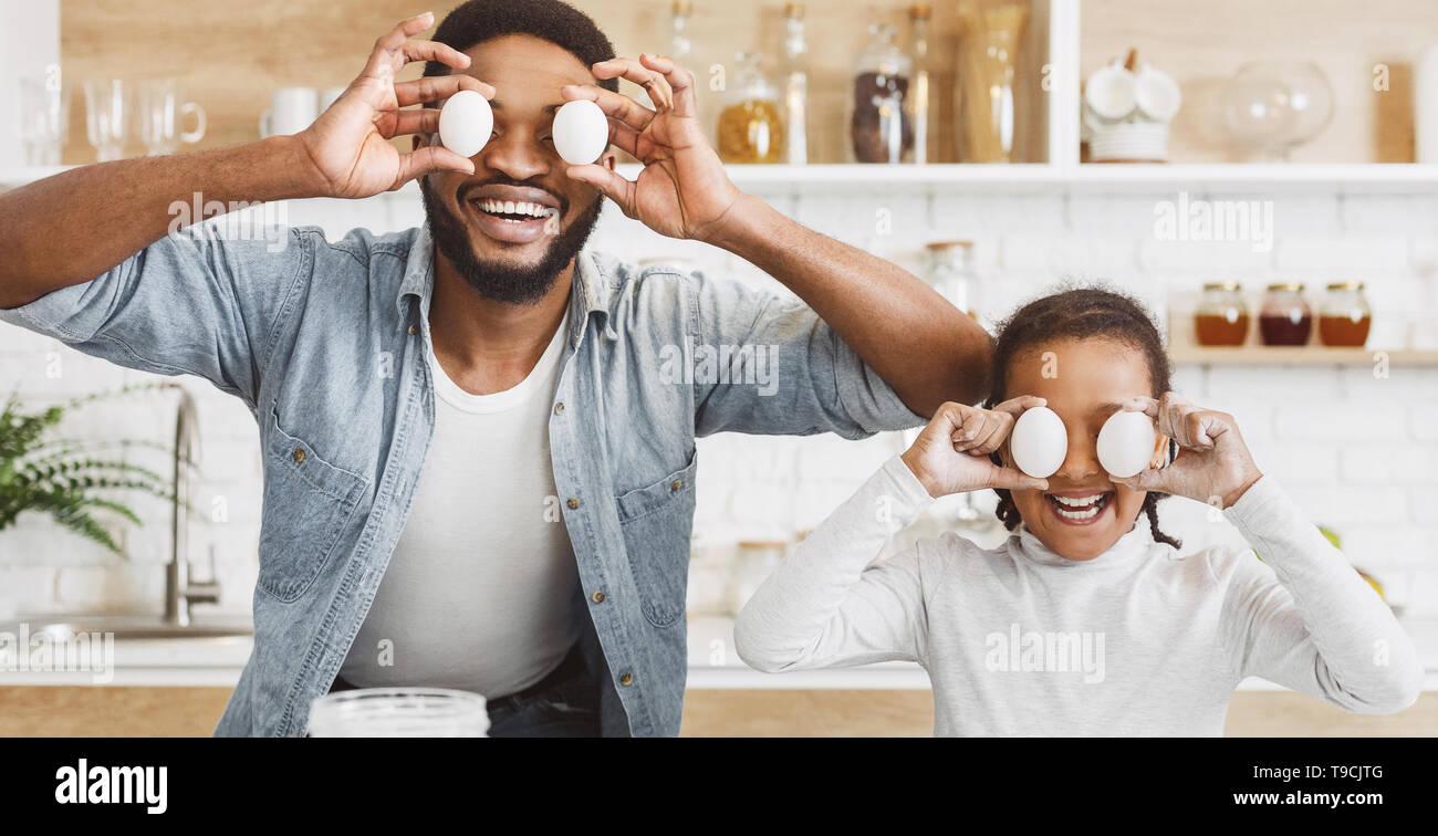 Cocinar con niños concepto Foto de stock