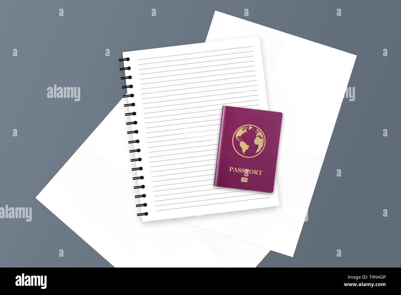 Ilustración 3D de color rojo de carné internacional realista y documento con copia espacio en blanco y el portátil. Imagen De Stock