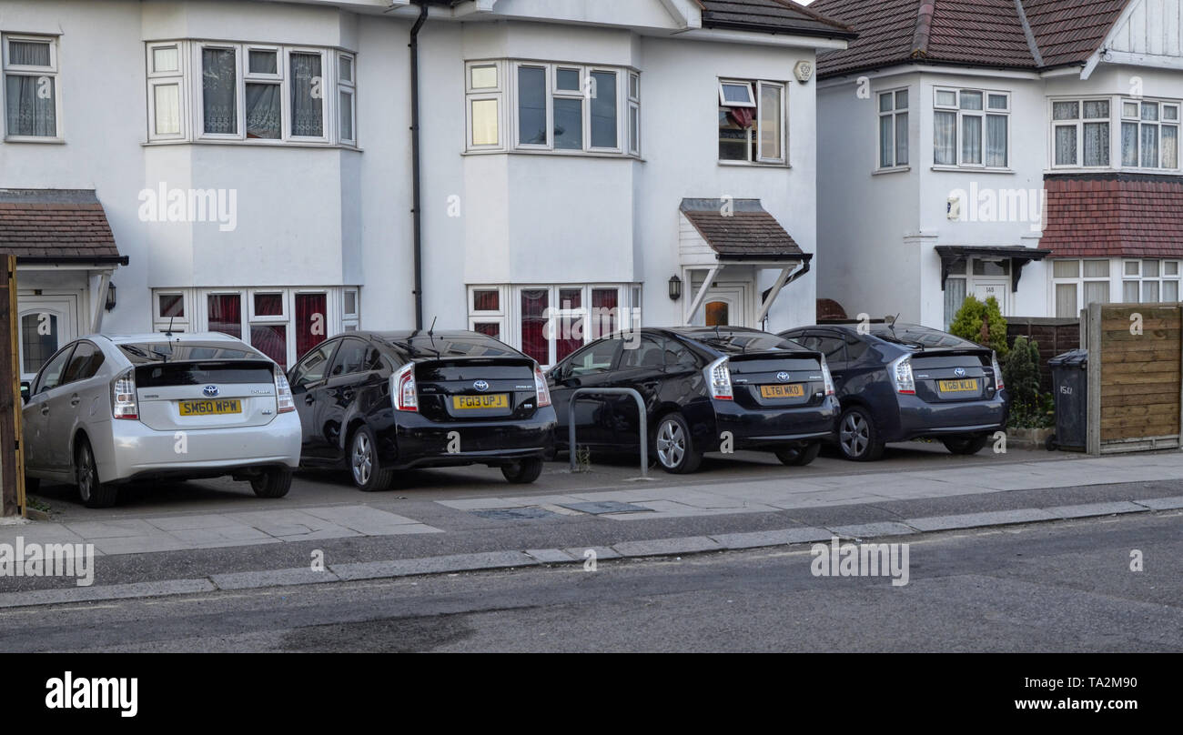 Londres, Reino Unido, junio de 2018. En esta ciudad el uso de Toyota coches híbridos con motores de gasolina eléctrica es generalizada, en particular el modo prius Imagen De Stock