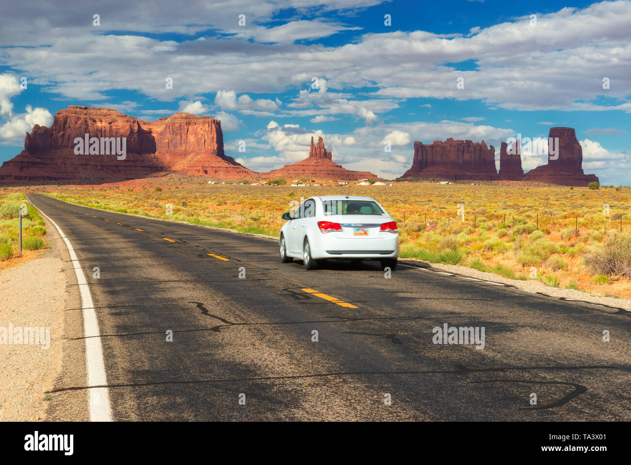Viaje por la autopista a Monument Valley, Arizona. Imagen De Stock