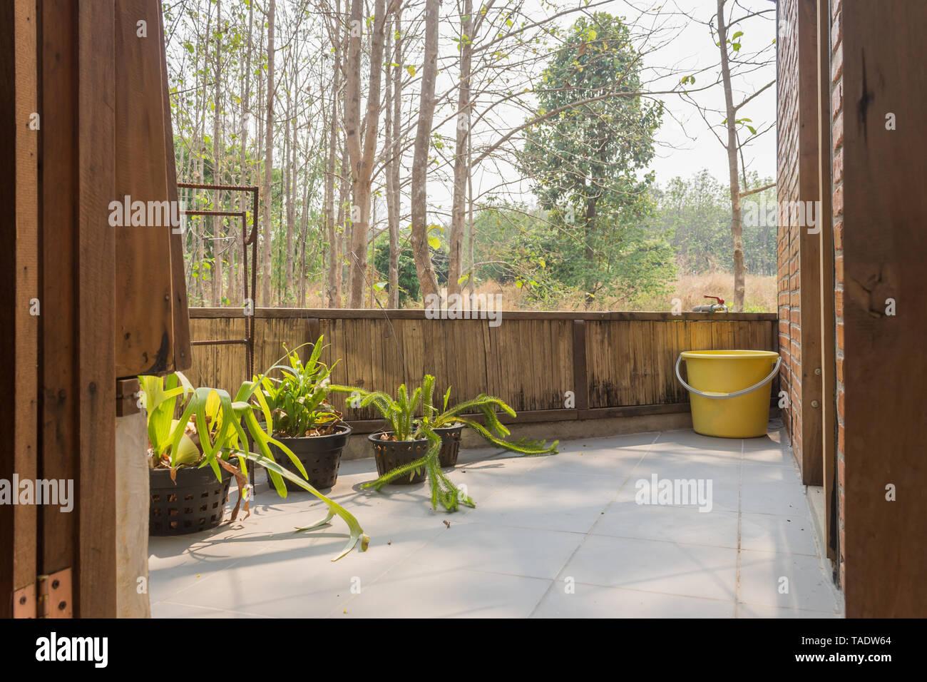 Terraza De Diseño Interior Habitación Con Vistas Al Bosque