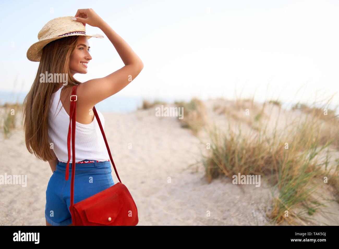71012e185 Bolso De Moda Imágenes De Stock   Bolso De Moda Fotos De Stock - Alamy