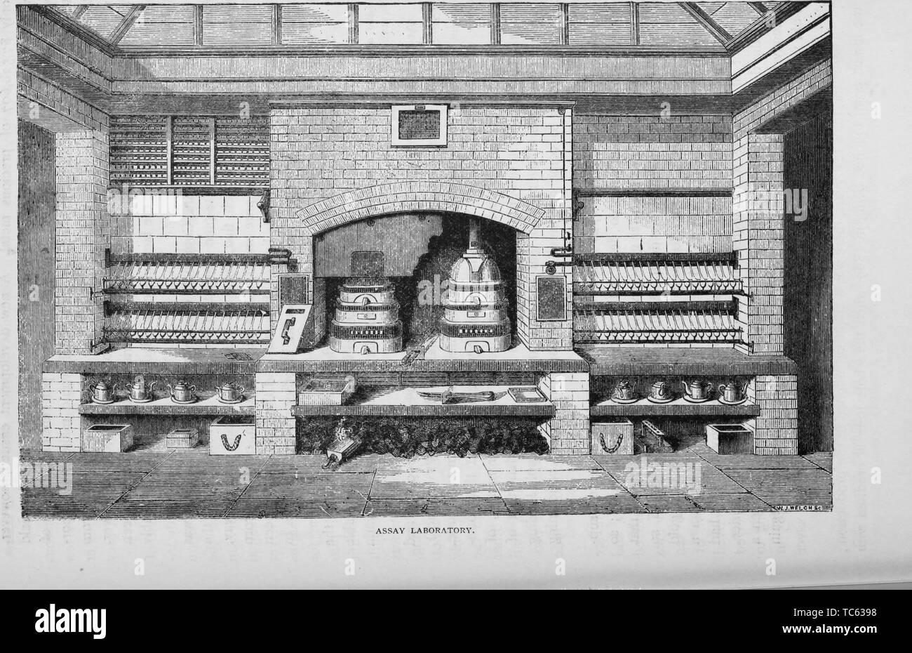 """Grabado del laboratorio de ensayo, del libro """"Historia Industrial de los Estados Unidos, desde los primeros asentamientos hasta la actualidad' de Albert Sidney Bolles, 1878. Cortesía de Internet Archive. () Imagen De Stock"""