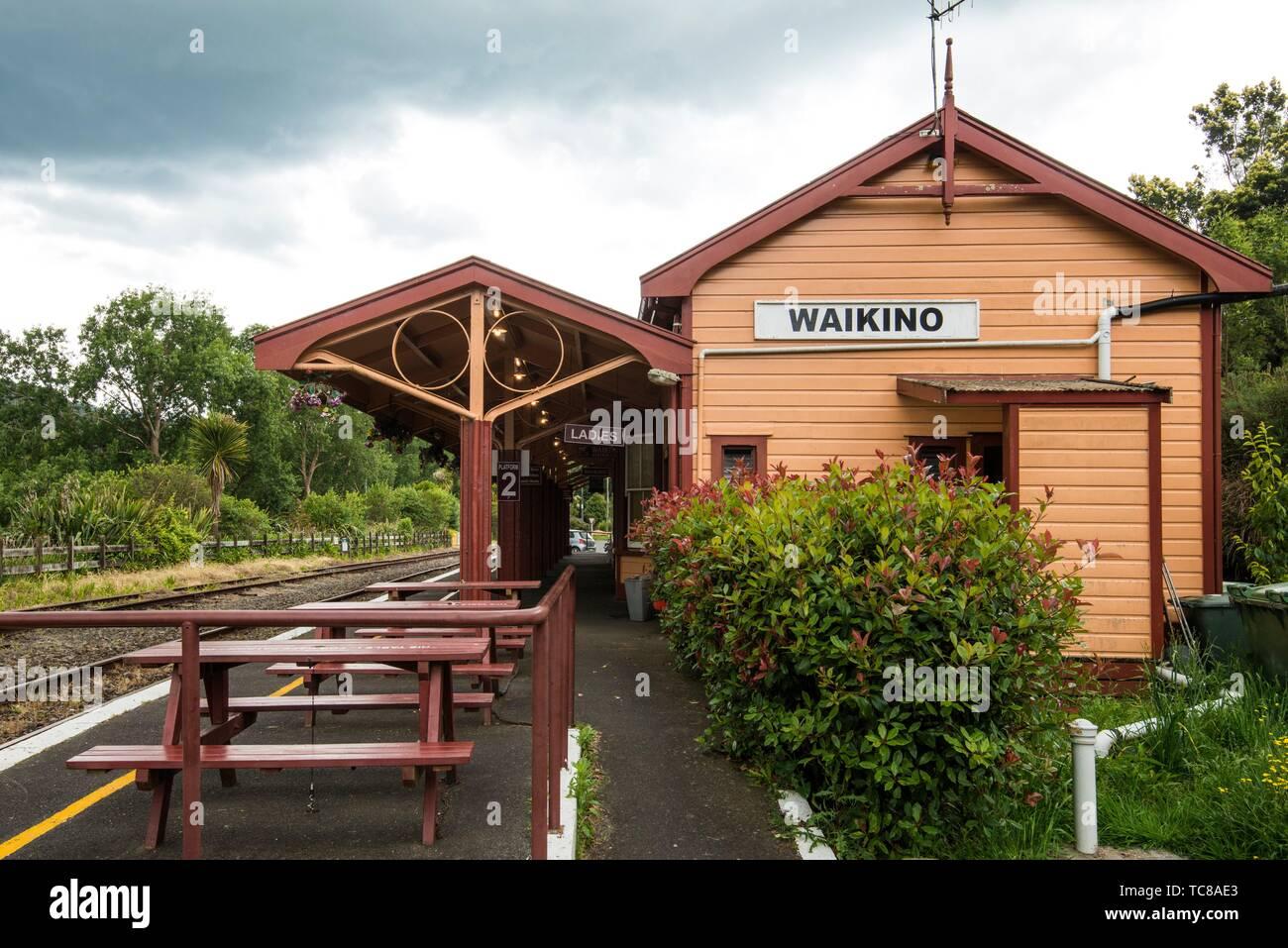 Estación Waikino en el Hauraki Rail Trail, ciclismo de ruta en la Isla Norte de Nueva Zelanda. Foto de stock