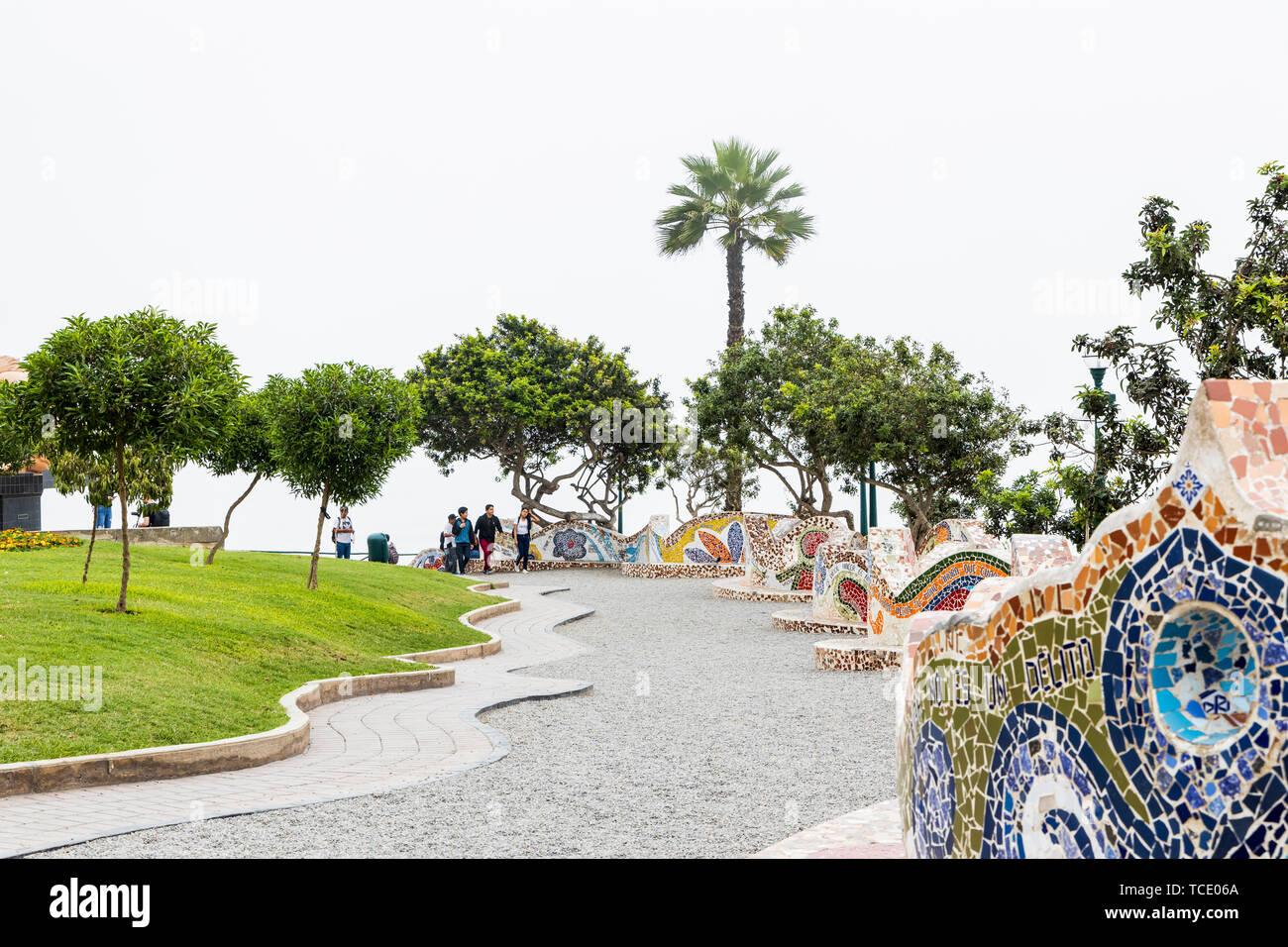 Normalmente misty day, en el Parque del Amor, amantes park, Miraflores, Lima, apodado El gris, el gris, Perú Foto de stock