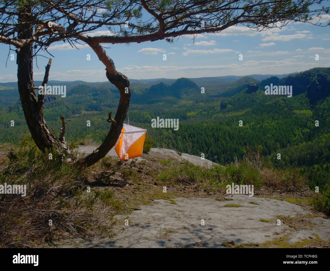 Check Point Prism y puntiagudos de compostaje de orienteering deportes. Imagen De Stock