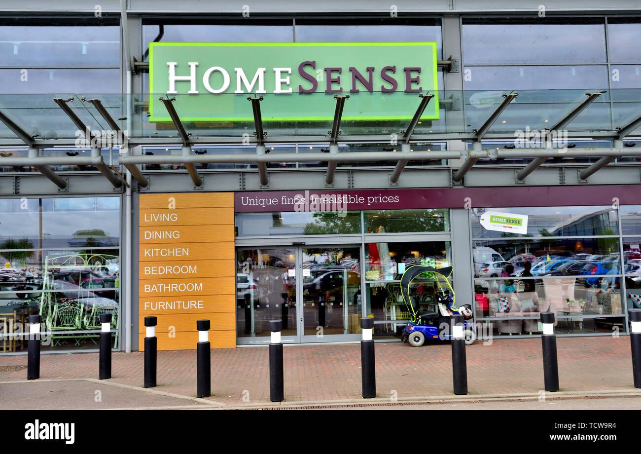 Sentido doméstica exterior tienda minorista, Inglaterra, Reino Unido. Imagen De Stock