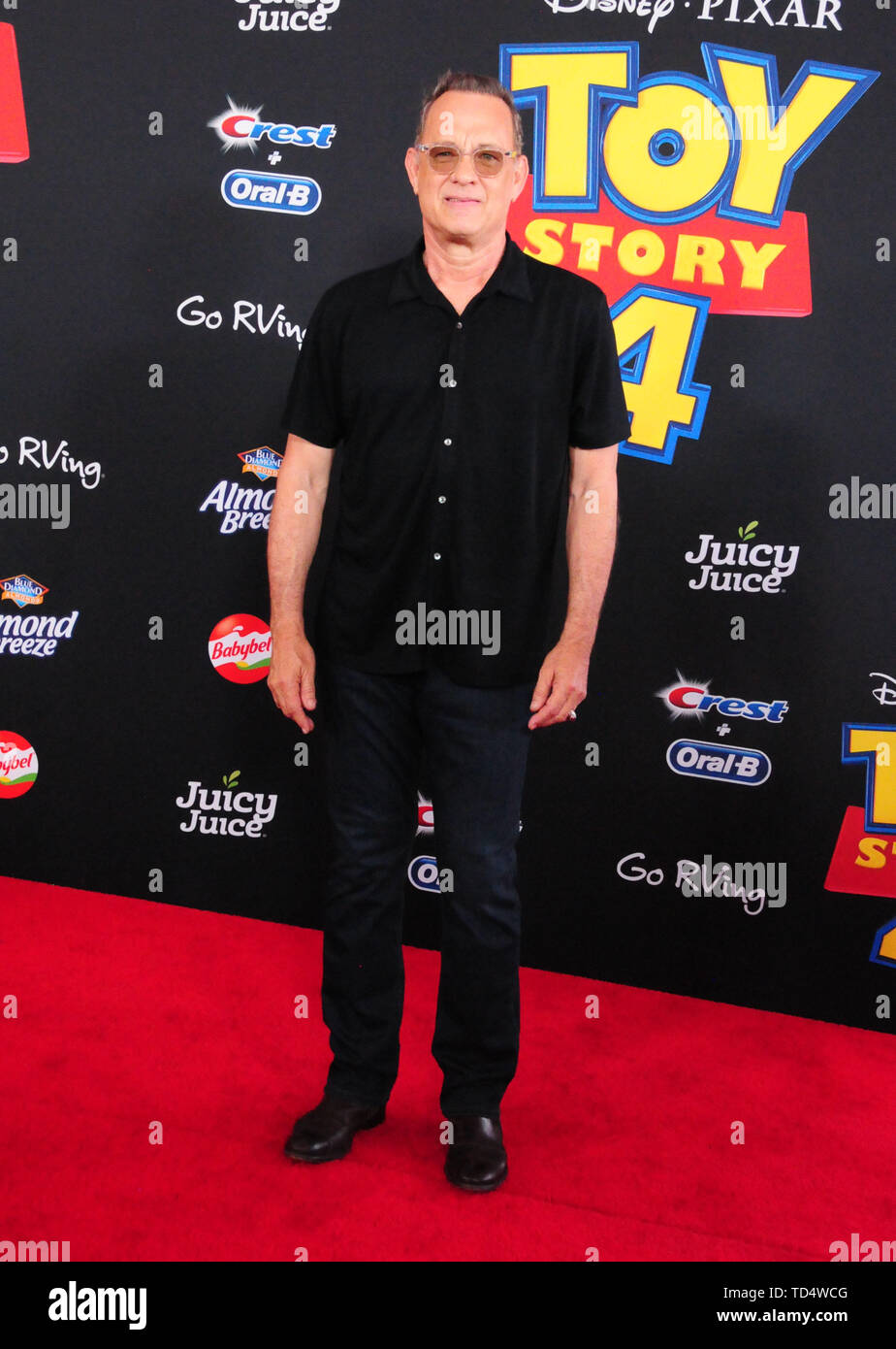 Hollywood, California, Estados Unidos, 11 de junio de 2019 el actor Tom Hanks asiste al estreno mundial de la película de Disney y Pixar 'Toy Story 4' el 11 de junio de 2019 en el Capitan Theatre de Hollywood, California, USA. Foto por Barry King/Alamy Live News Imagen De Stock