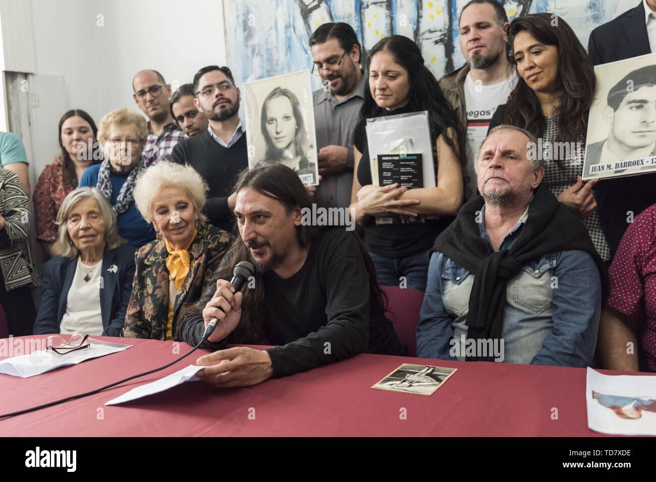 Abuelas En Pelotas buenos aires, argentina. 13 de junio de 2019. worldnews. el