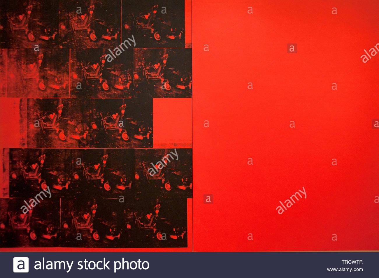 Accidente de coche naranja catorce veces por Andy Warhol 1928 Estados Unidos de América EE.UU ( artista estadounidense, director y productor que era una figura principal en el movimiento del arte visual conocido como pop art. ) Imagen De Stock