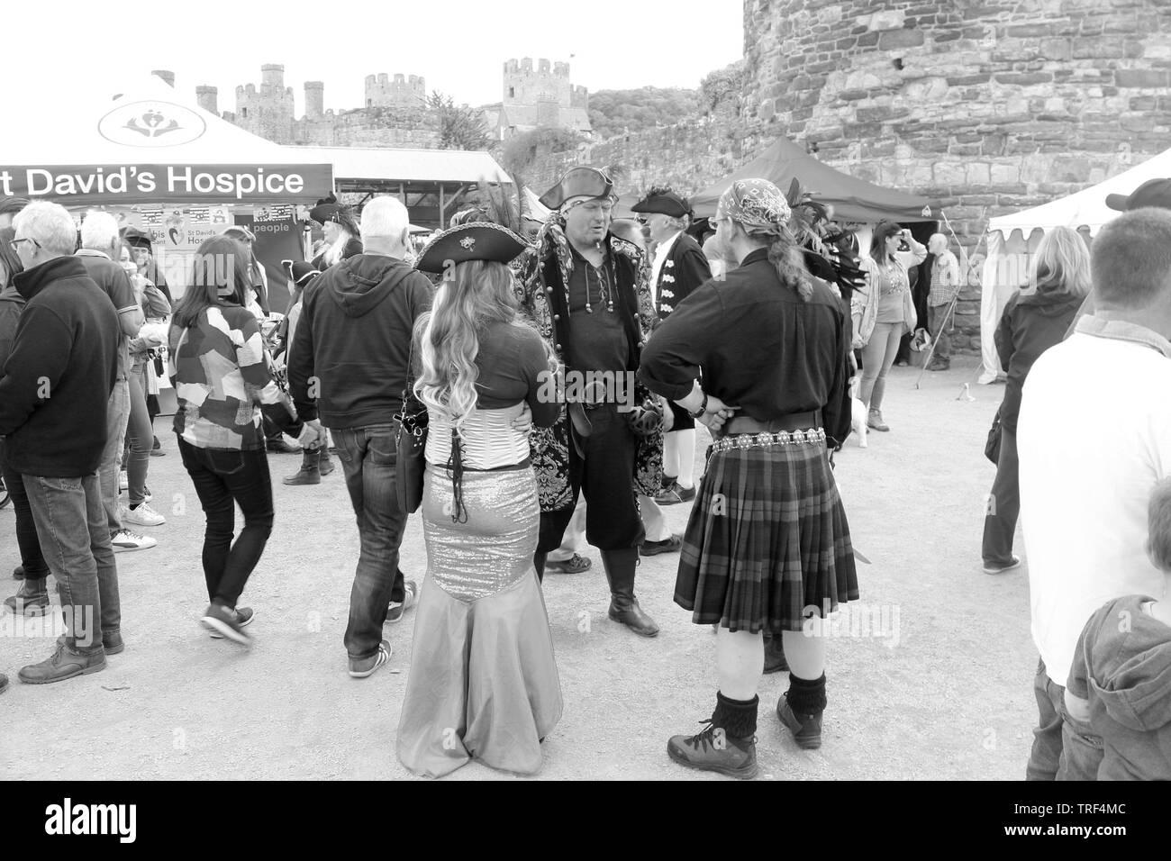 Conwy piratas Festival. El festival ofrece remolque swashbuckling día de entretenimiento y diversión con música en vivo y comida más bellas ales Foto de stock