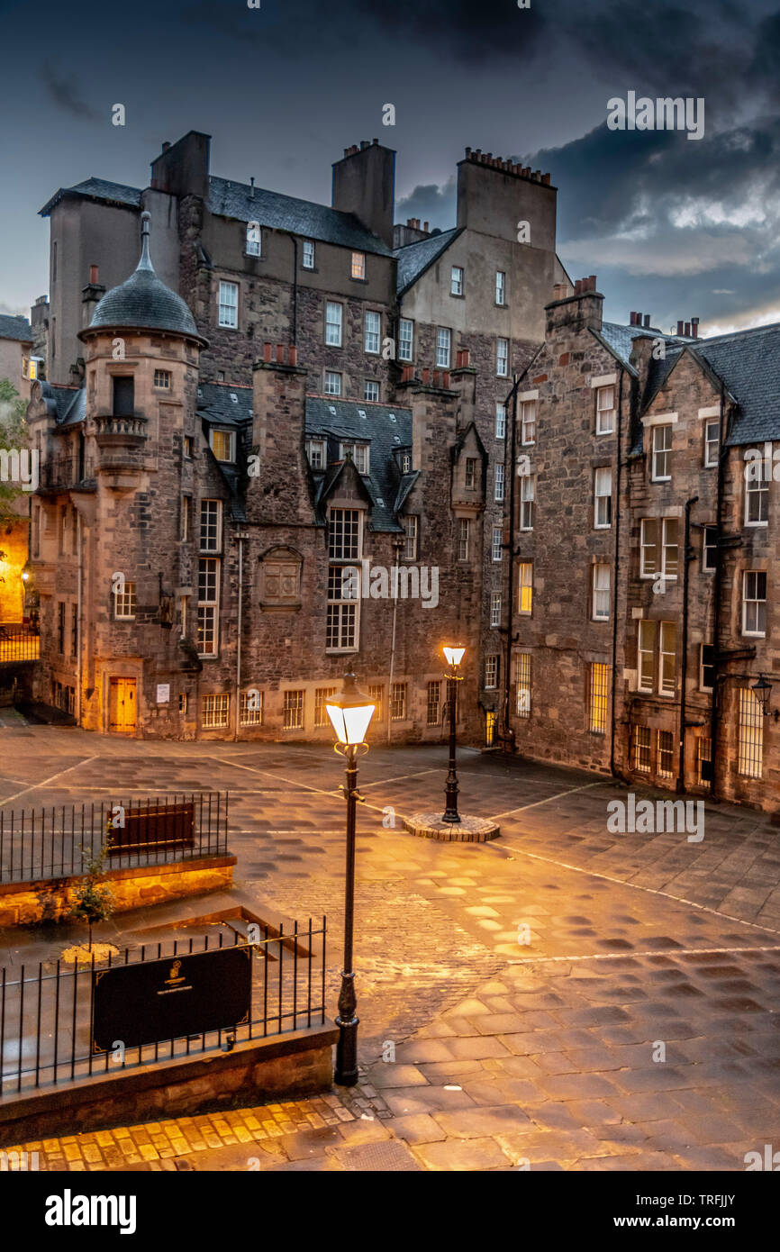 Señora escalera estrecha, Royal Mile, Edinburgh Imagen De Stock