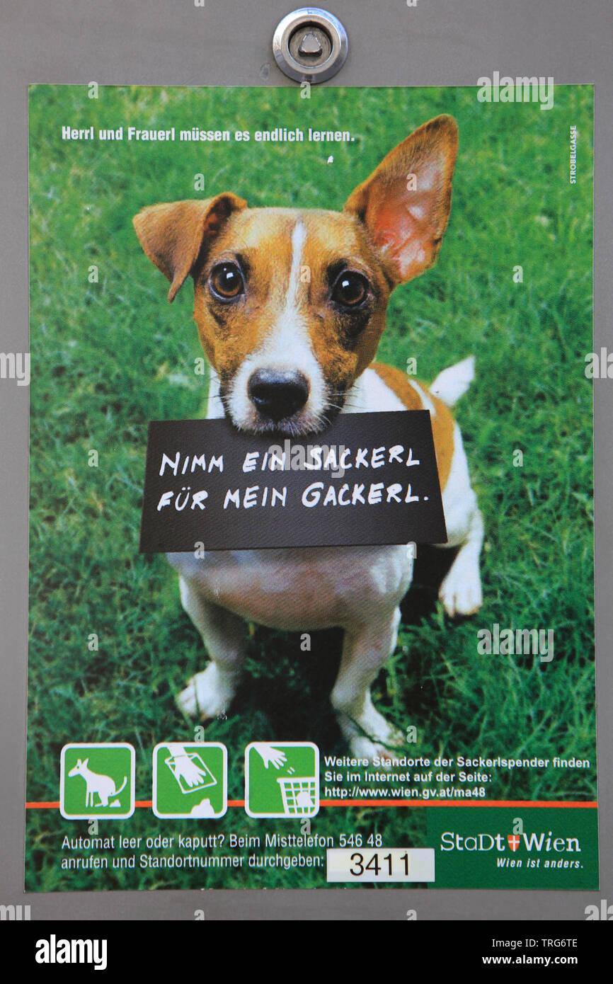 Publicité pour le ramassage des déjections des chiens. Imagen De Stock