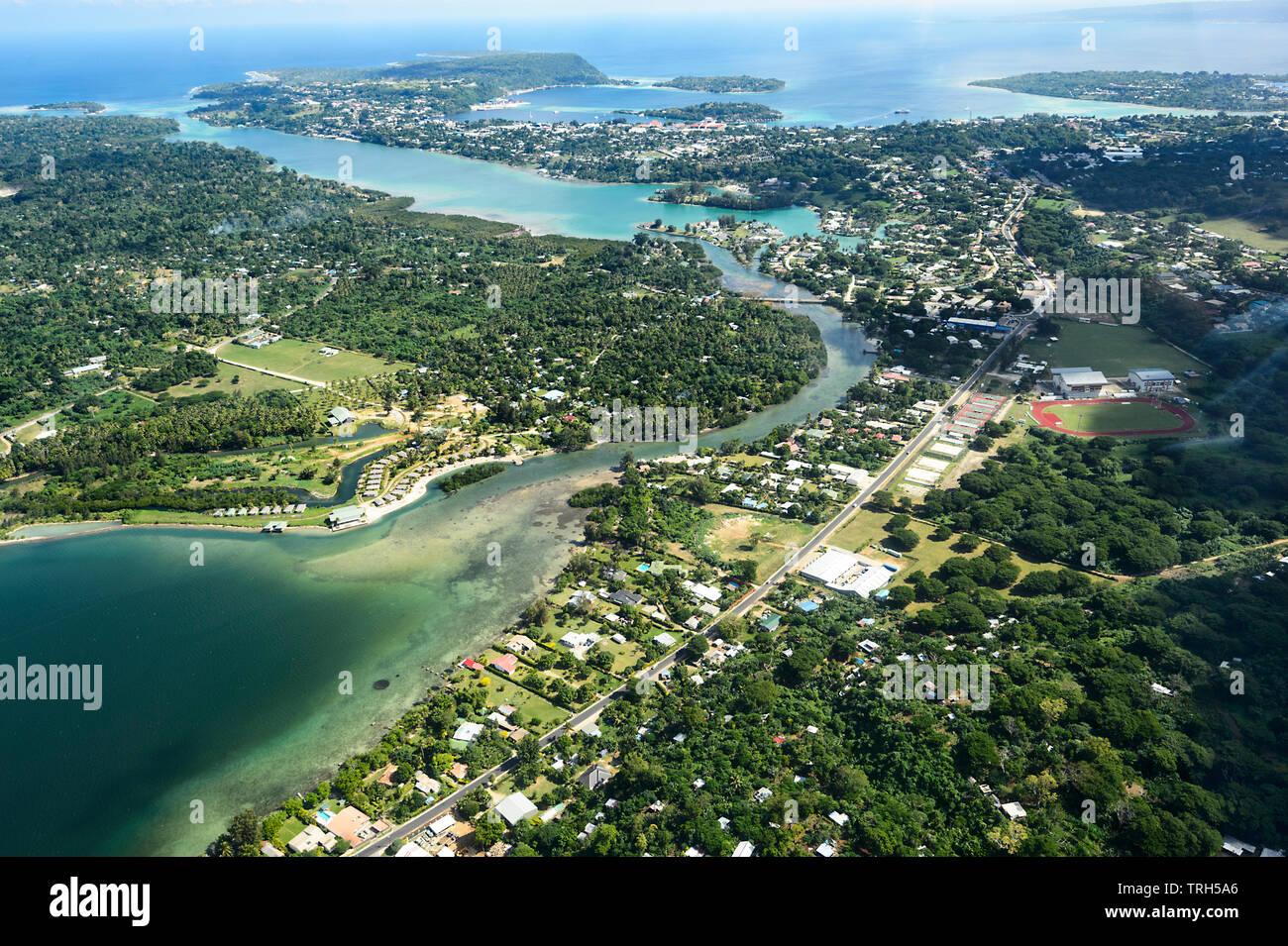 Vista aérea de la isla de Efate, Port Vila, Vanuatu Foto de stock