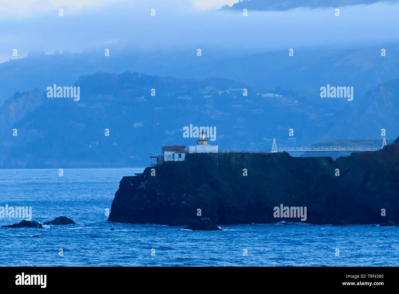 Faro de Punta Bonita, en San Francisco, California, EE.UU. Imagen De Stock