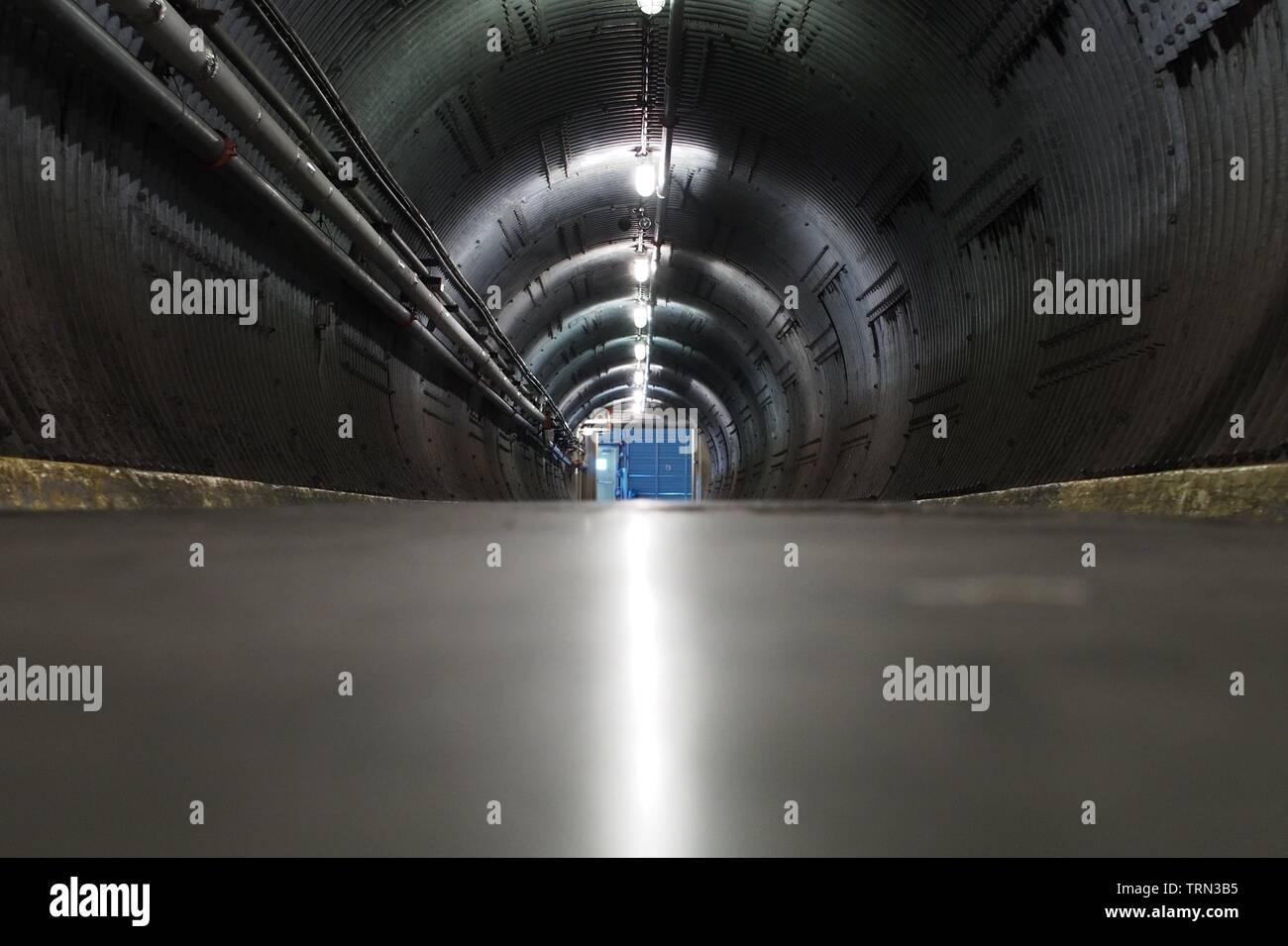 La entrada al túnel Blast Diefenbunker, Canadá es el Museo de la guerra fría, ubicada en las afueras de la carpa en Ottawa, Ontario, Canadá. Imagen De Stock