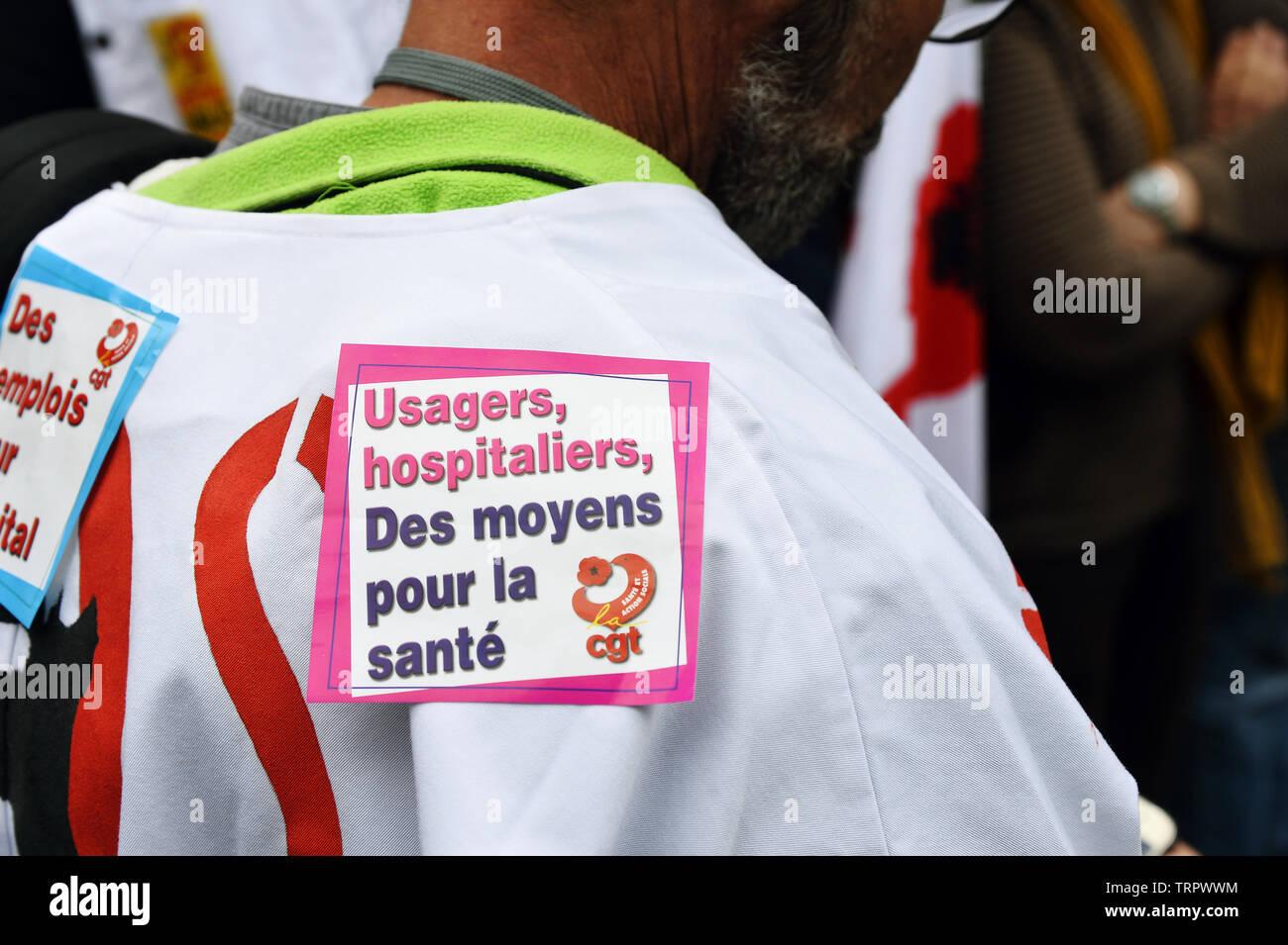 Los trabajadores de atención de salud de emergencia protesta en Paris - Francia Imagen De Stock