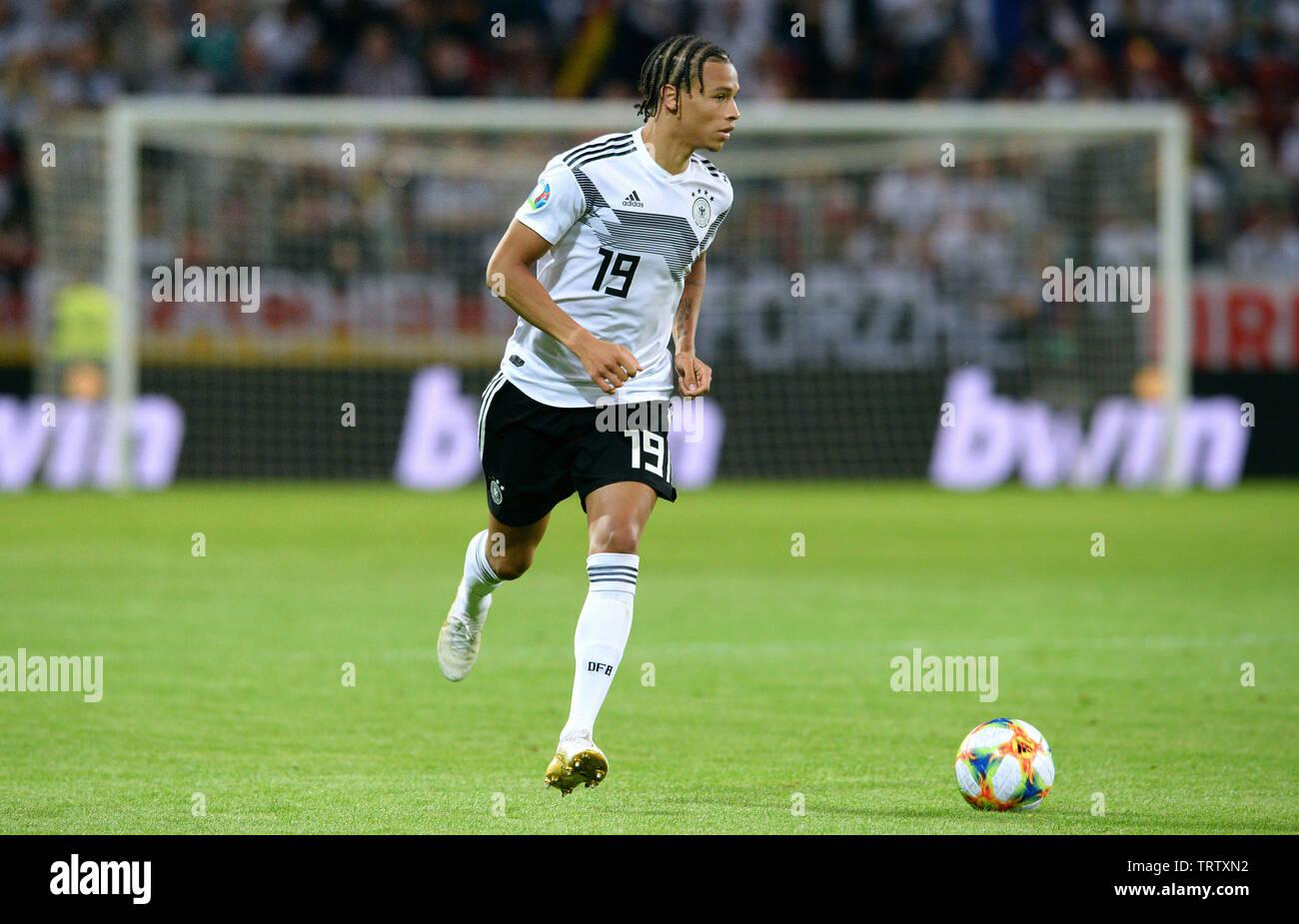 Clasificación para la Eurocopa 2020, Alemania - Estonia 8:0, Opel Arena Mainz: Leroy Sane (GER). Imagen De Stock