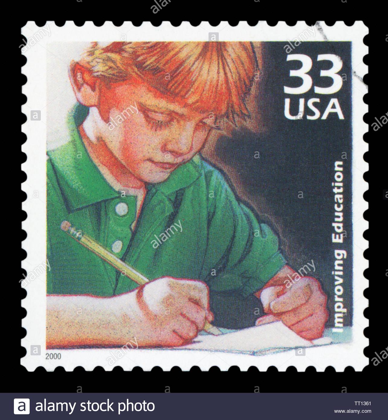 Estados Unidos de América - circa 2000: un sello impreso en EE.UU. muestra niño escrito, la mejora en la calidad de la educación Imagen De Stock