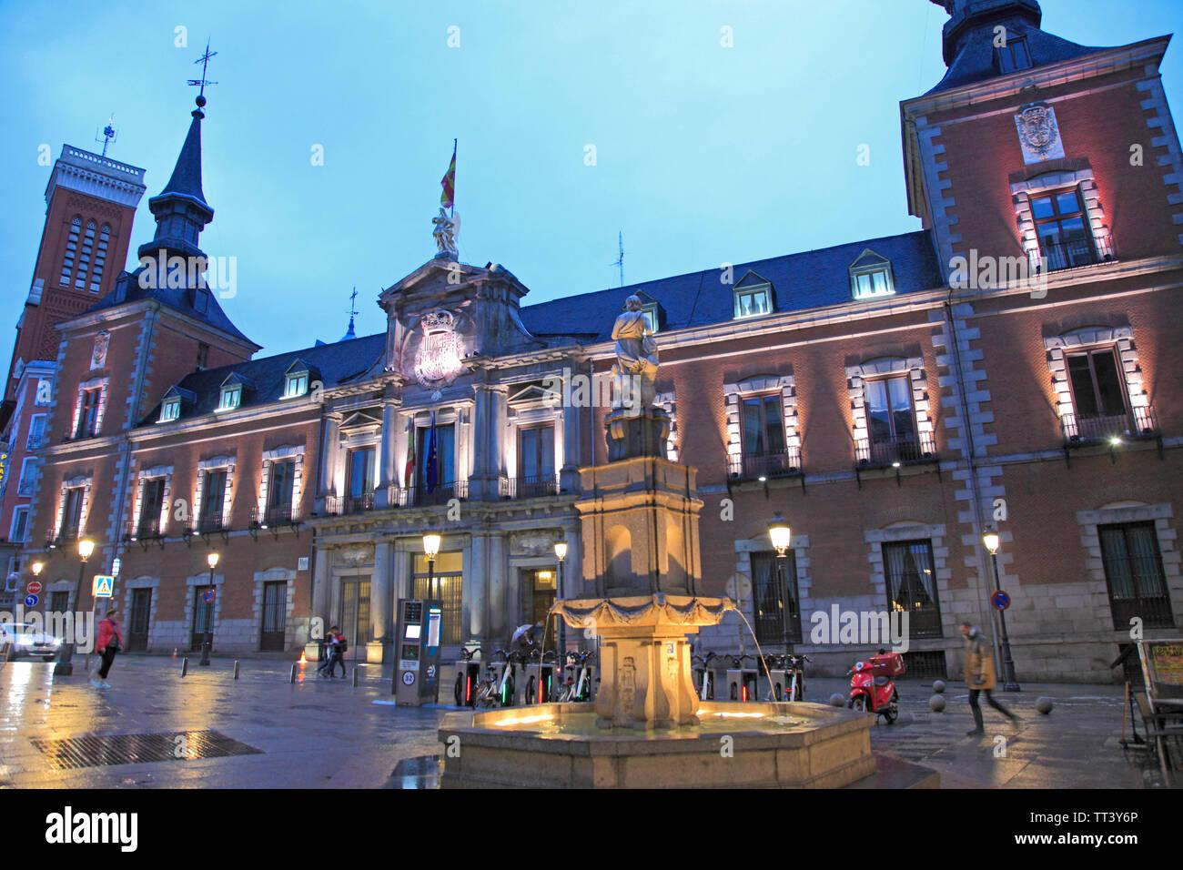 España, Madrid, Plaza de la provincia, el Palacio de Santa Cruz, fuente, Imagen De Stock