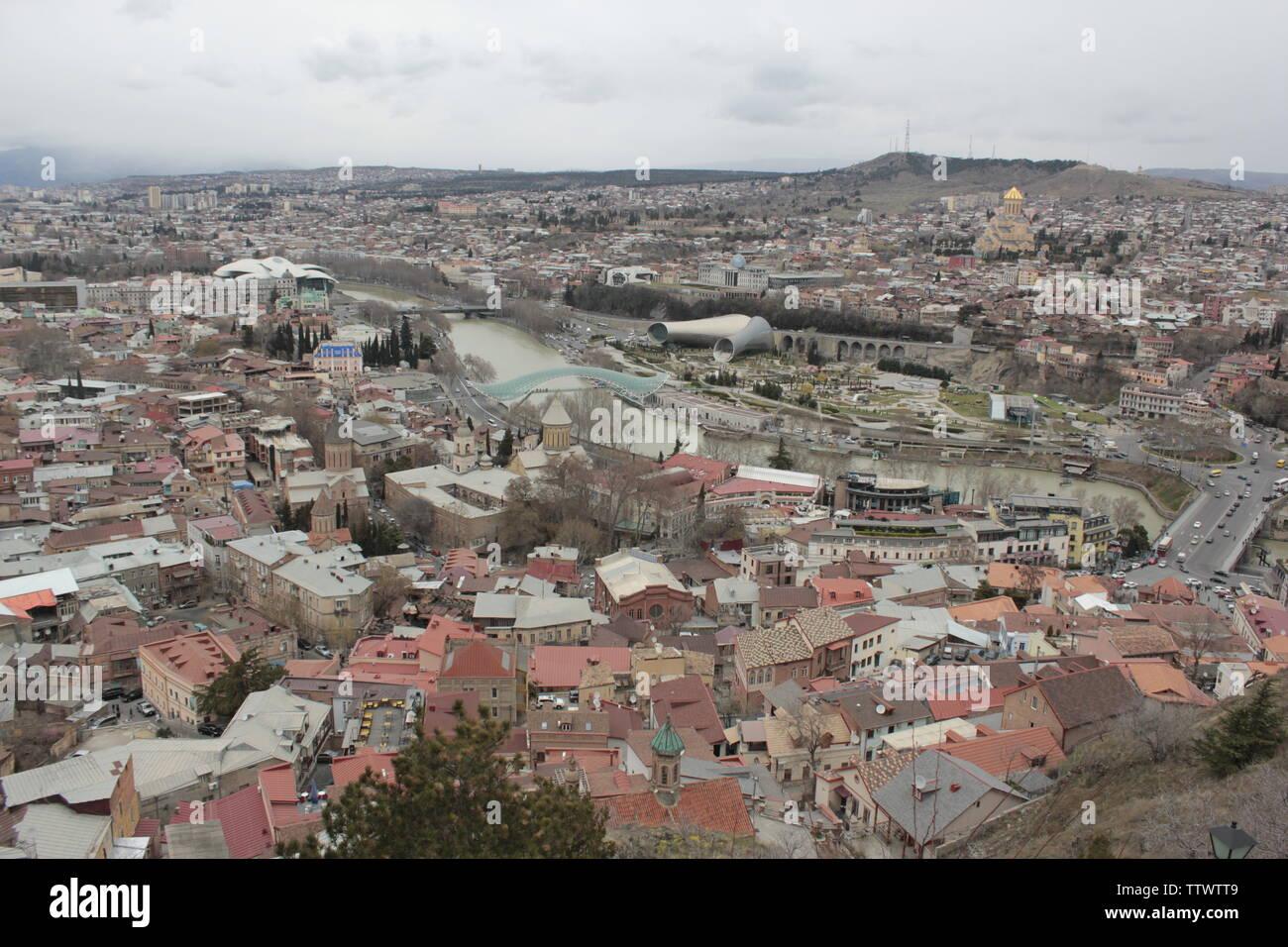Edificios de Georgia en Tbilisi y Mtskheta, antigua ciudad Foto de stock