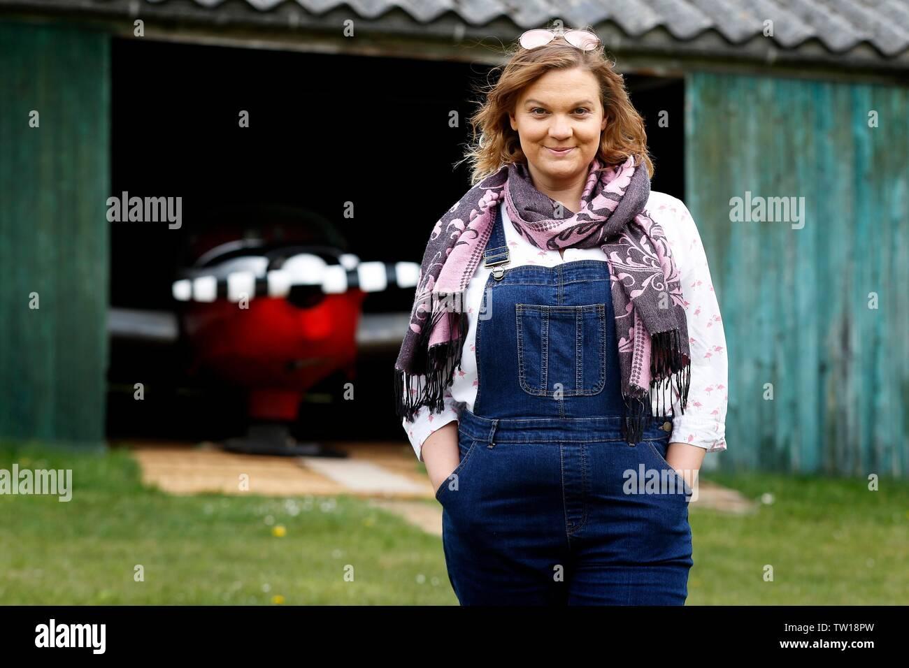 Joanna 'Joey' Barba, cineasta, fotógrafo y piloto aprendiz, quien acaba de terminar Airbourne, un drama de 25 minutos de película. Imagen De Stock