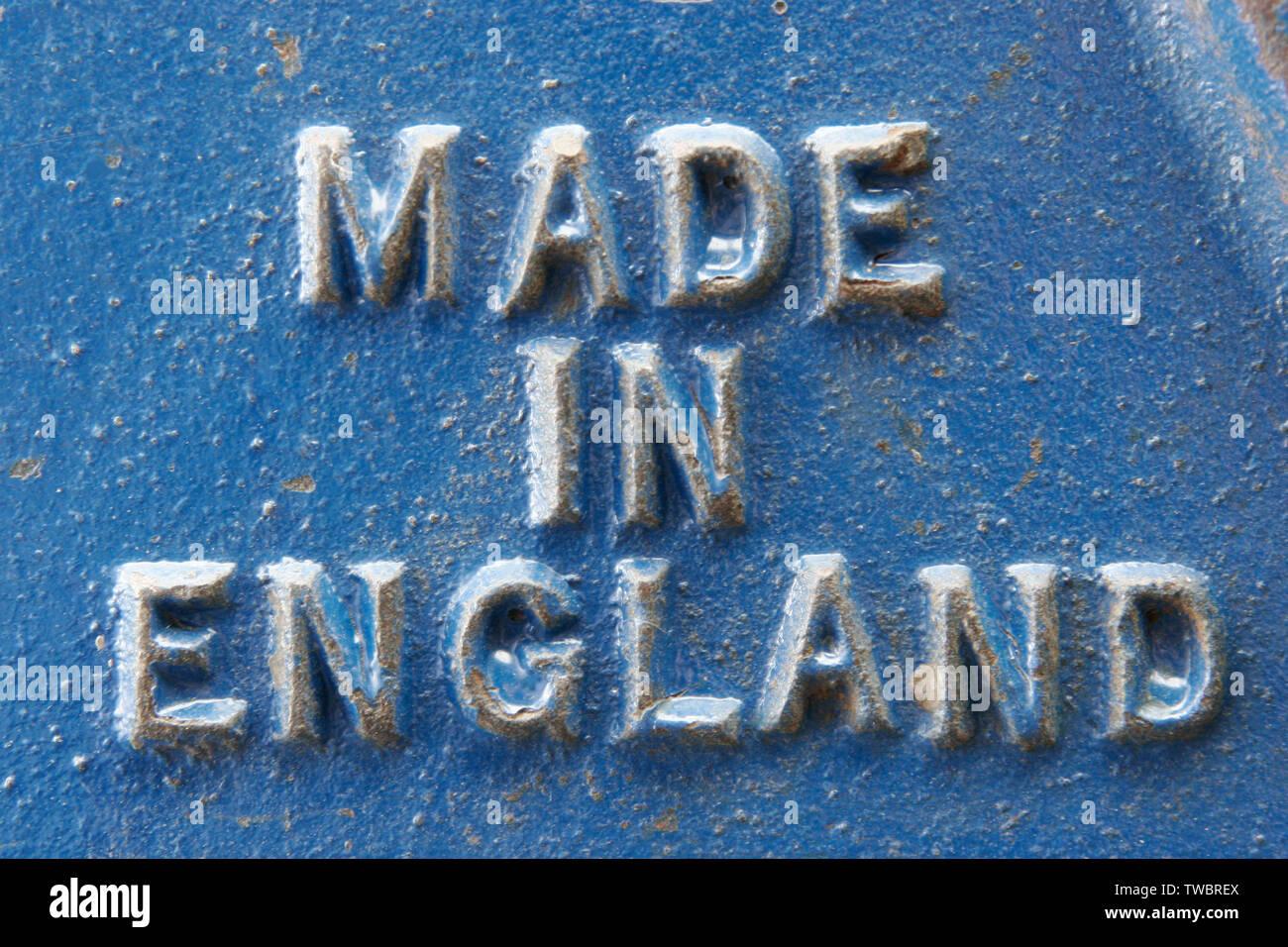 Tornillo de banco de acero británico con grabado de 'made in England' Foto de stock